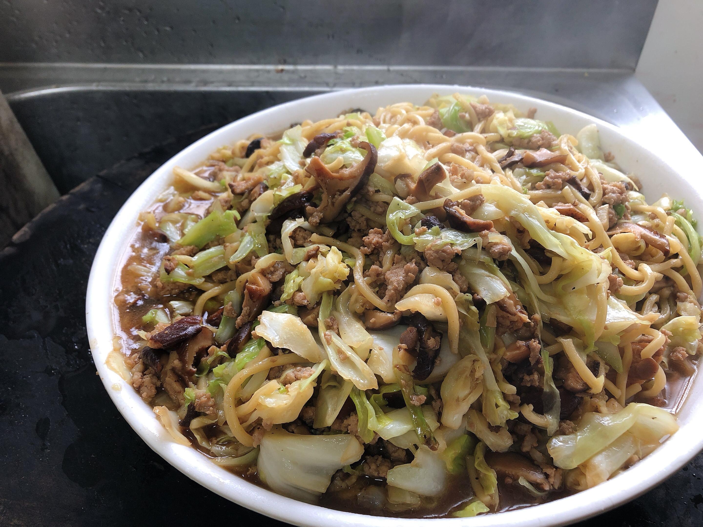 簡單出好菜:台式炒麵+玉米蛋花湯