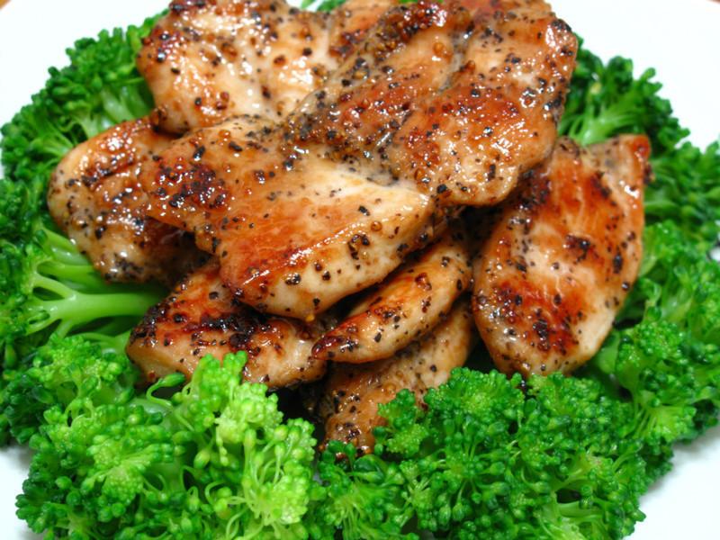 「大吟釀薄鹽醬油」香煎黑胡椒雞肉