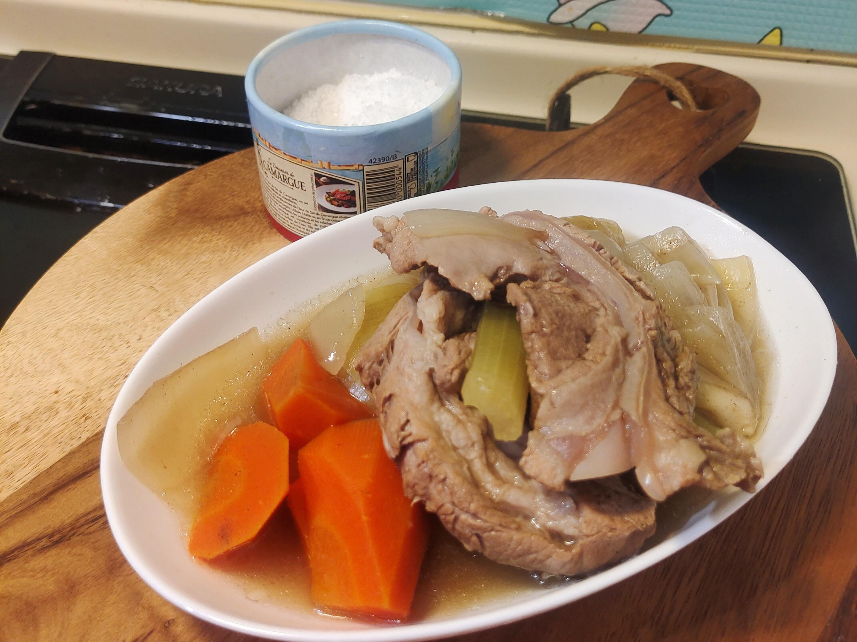 法式豬軟骨蔬菜清湯