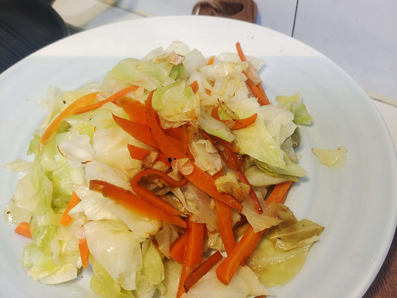 紅蘿蔔炒高麗菜