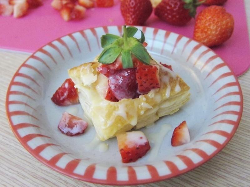 草莓一口酥