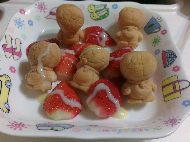 《草莓就愛鷹牌煉奶》小叮噹也愛鷹牌煉奶
