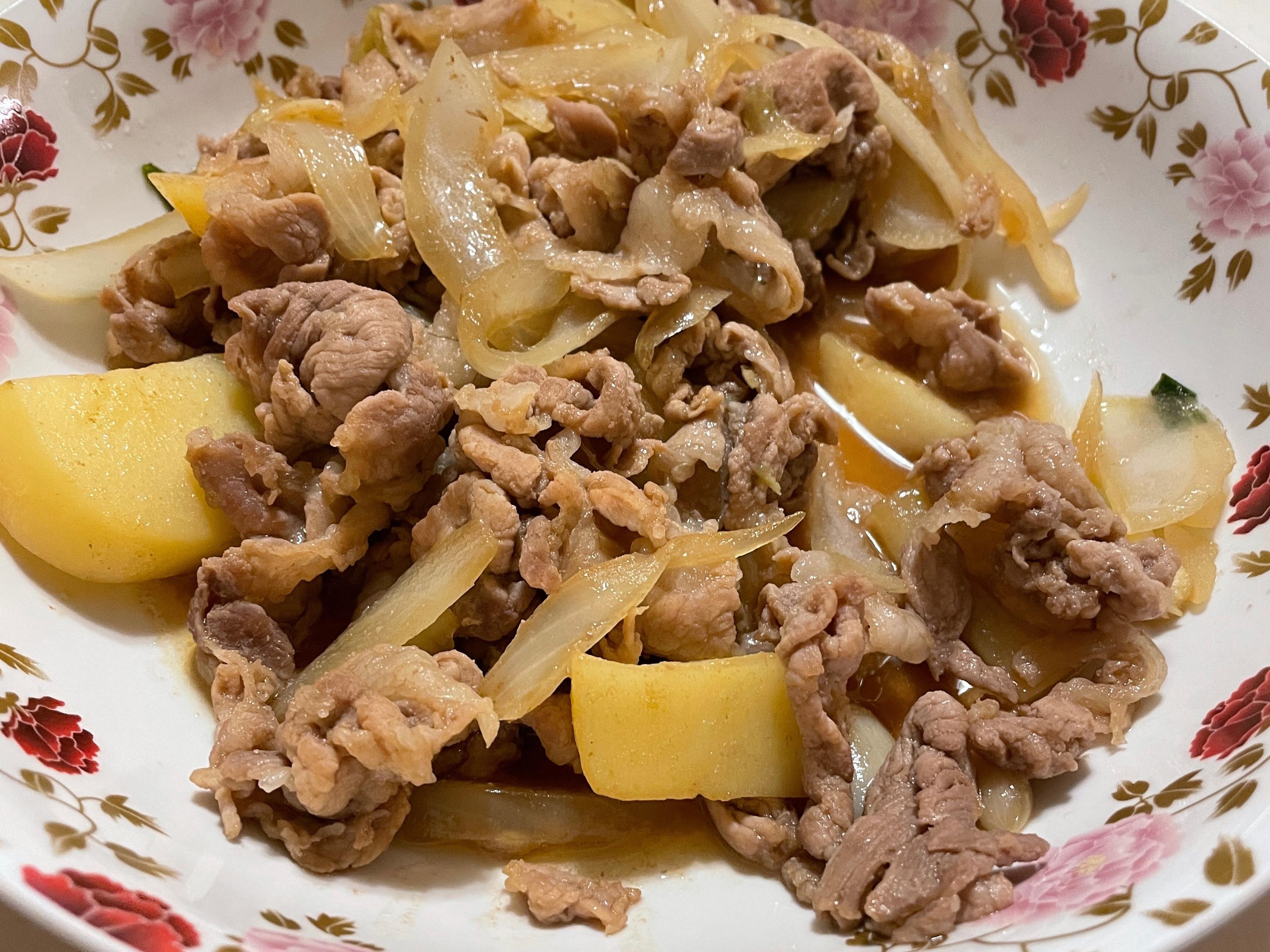 馬鈴薯洋蔥炒豬肉