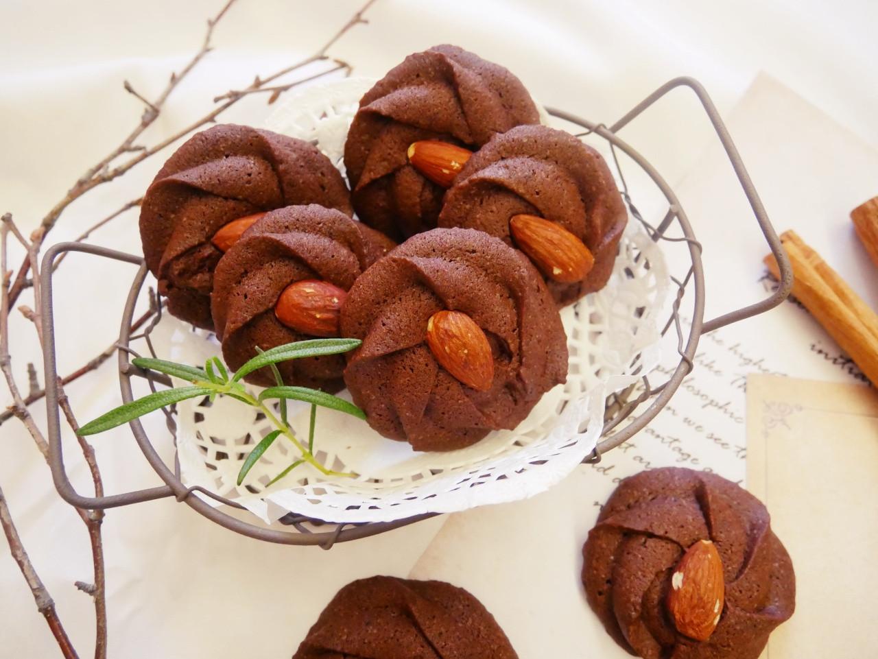 簡單的「巧克力擠花餅乾」濃郁可可、好酥脆