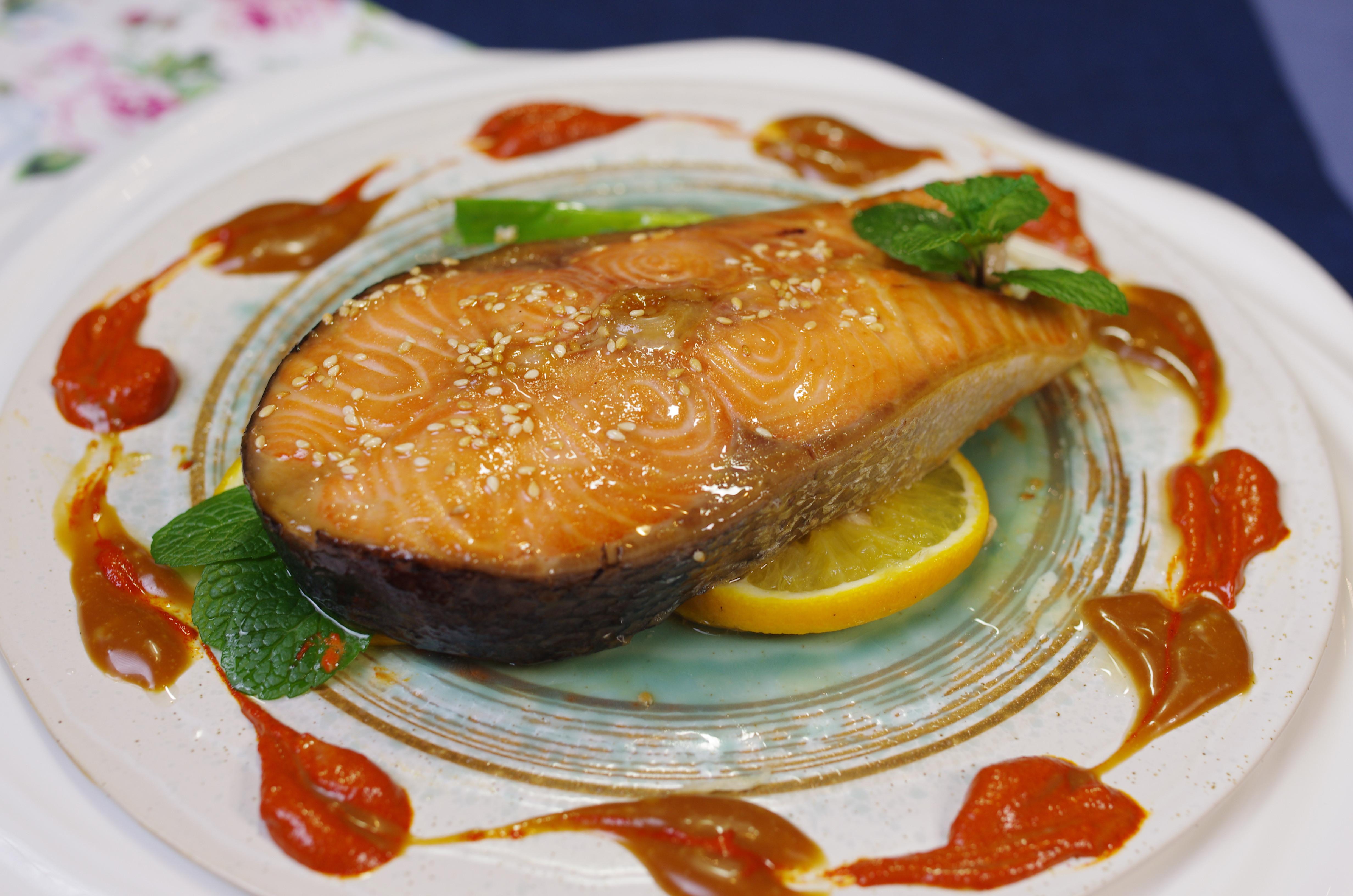 【味噌檸檬烤鮭魚】入口產生動人心弦感動