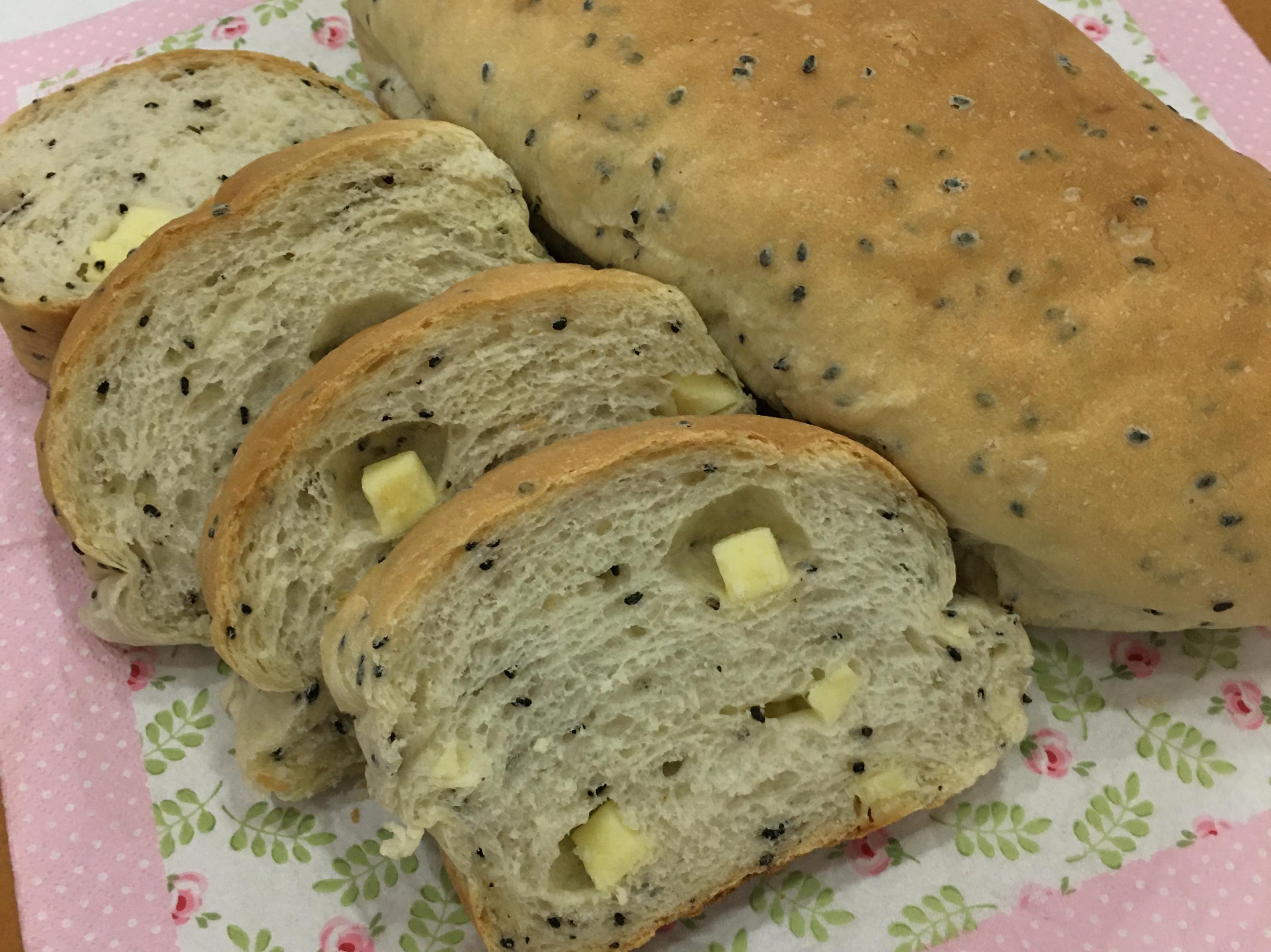 蜂蜜芝麻起司麵包