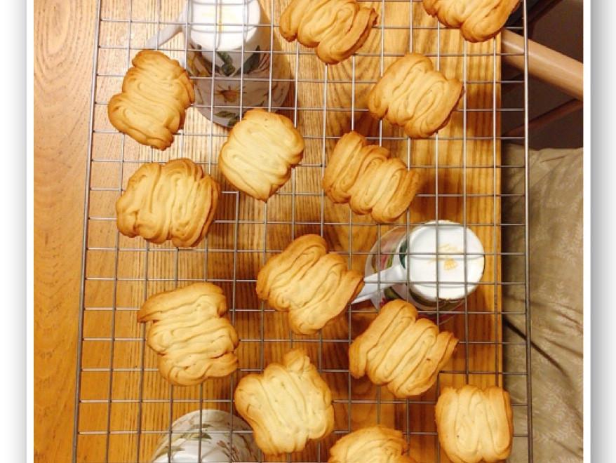 香噴噴的👉擠花奶酥餅乾😍