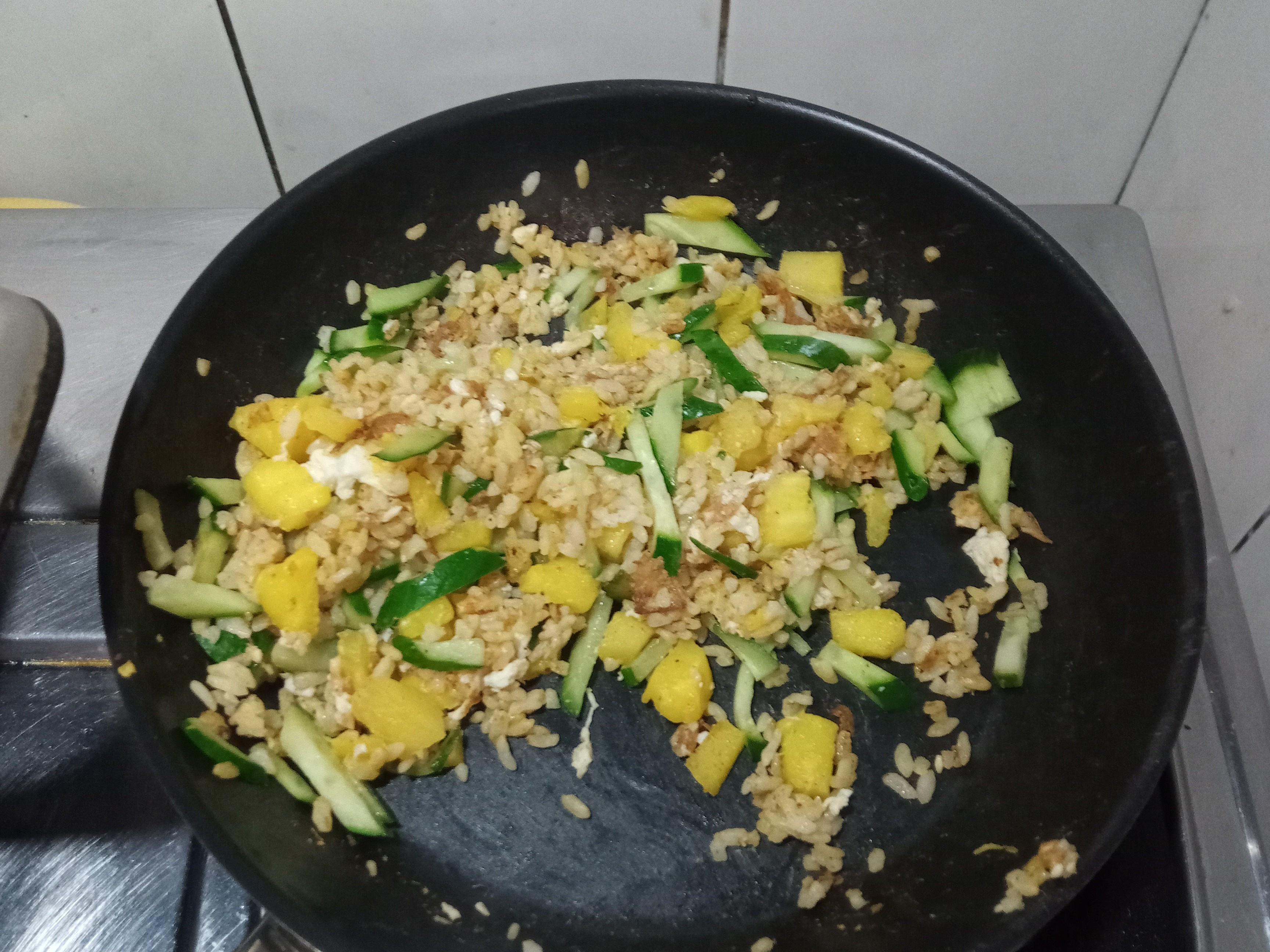 鳳梨炒飯(不沾鍋)
