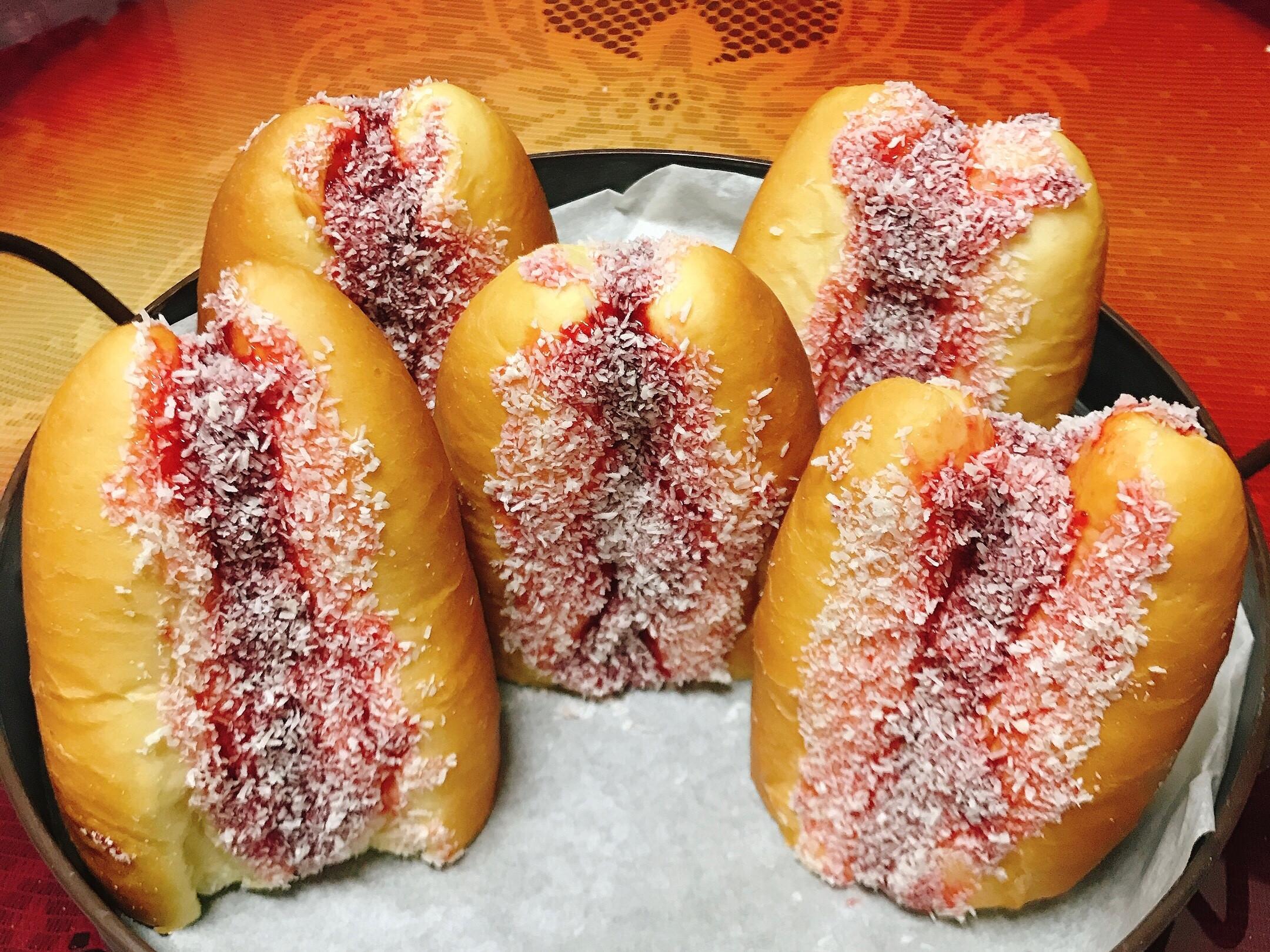 古早味草莓麵包