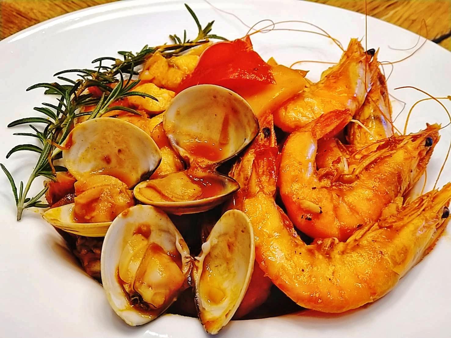 鑄鐵鍋-番茄海鮮燉菜