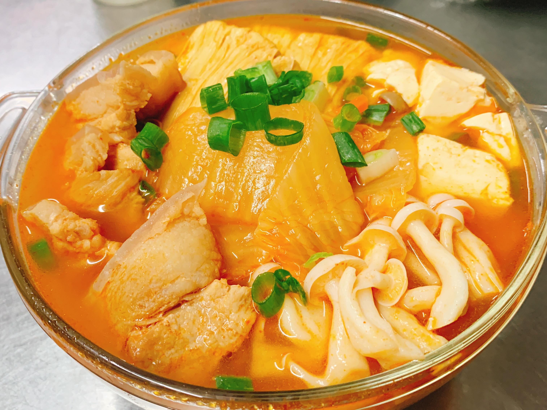 清冰箱的韓式泡菜五花肉豆腐湯