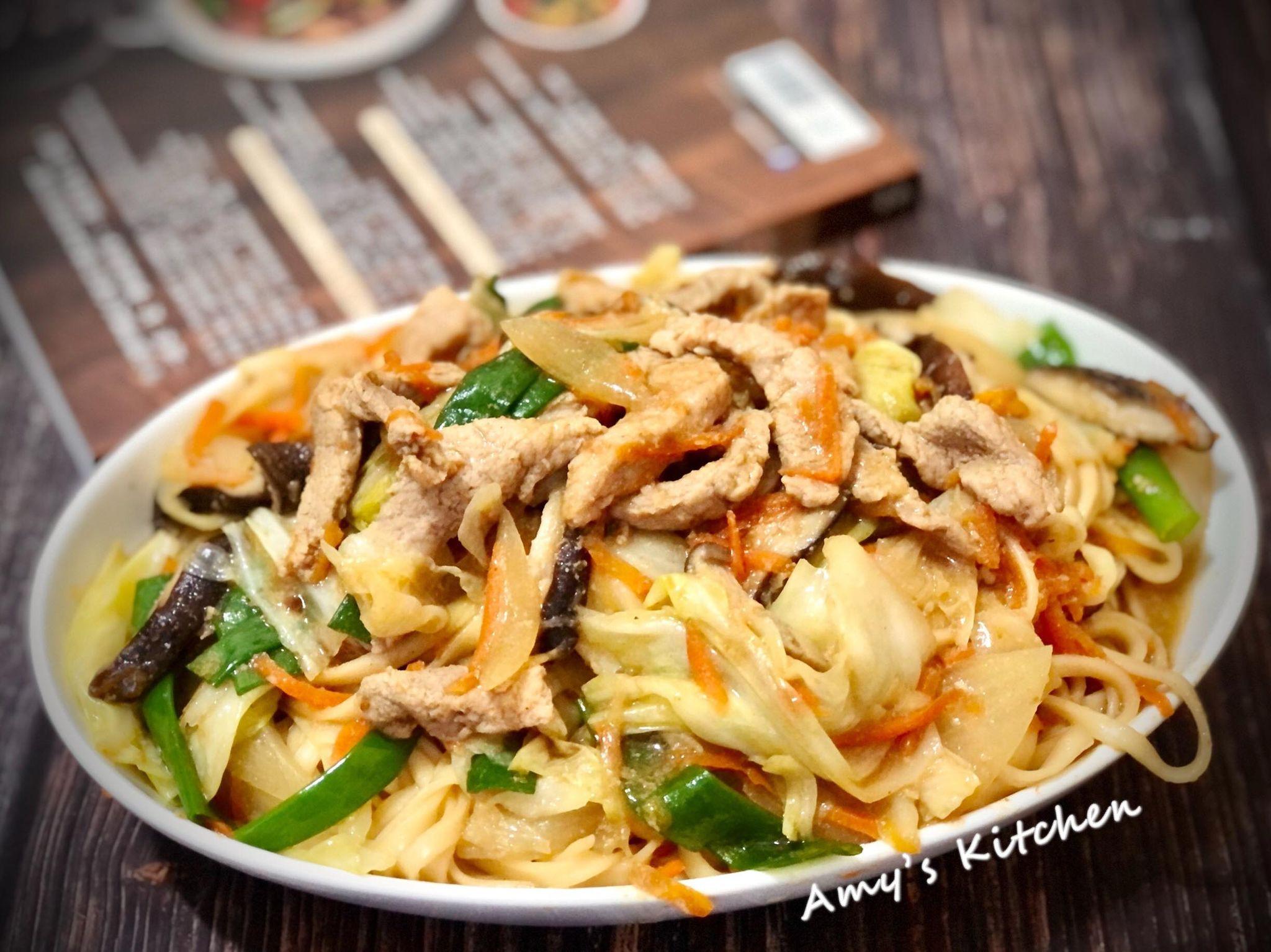肉絲炒麵 (清冰箱料理)