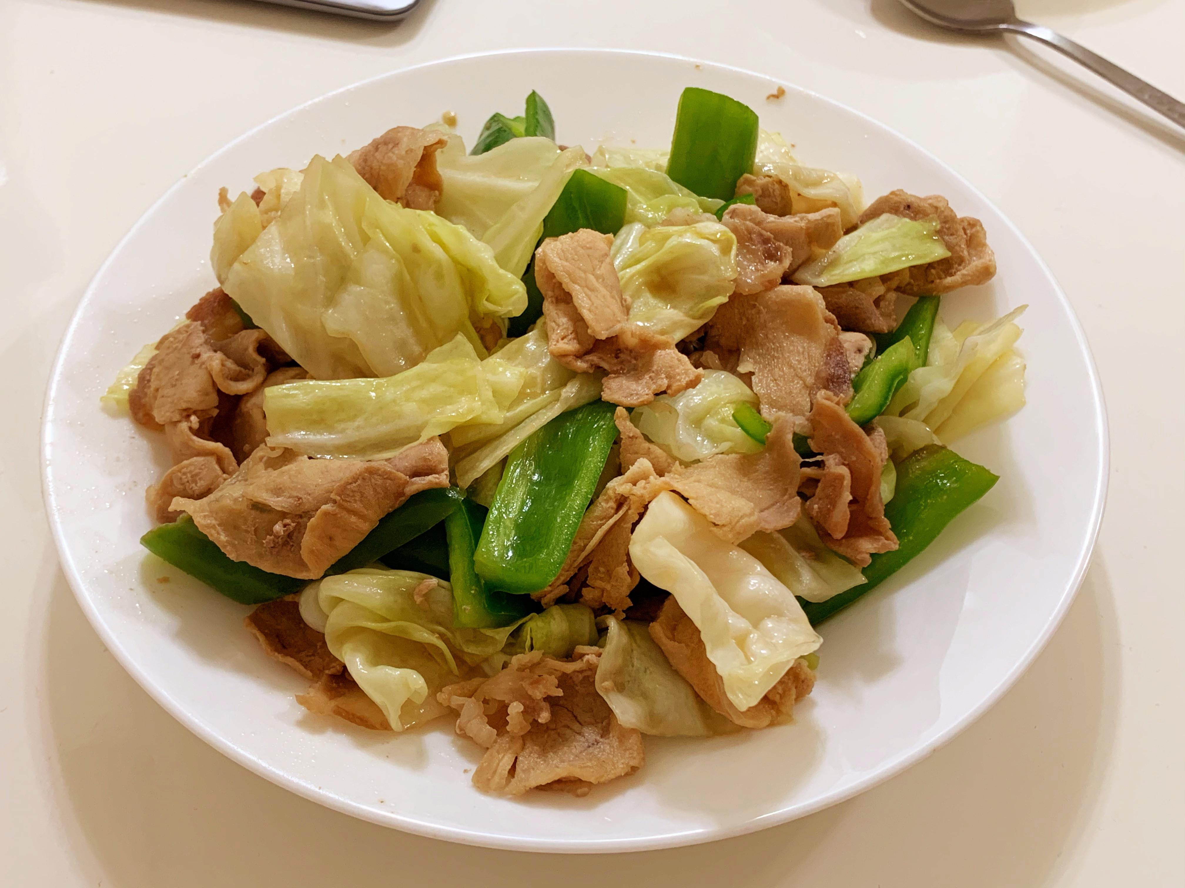 味噌青椒高麗菜炒肉片 (日式回鍋肉)