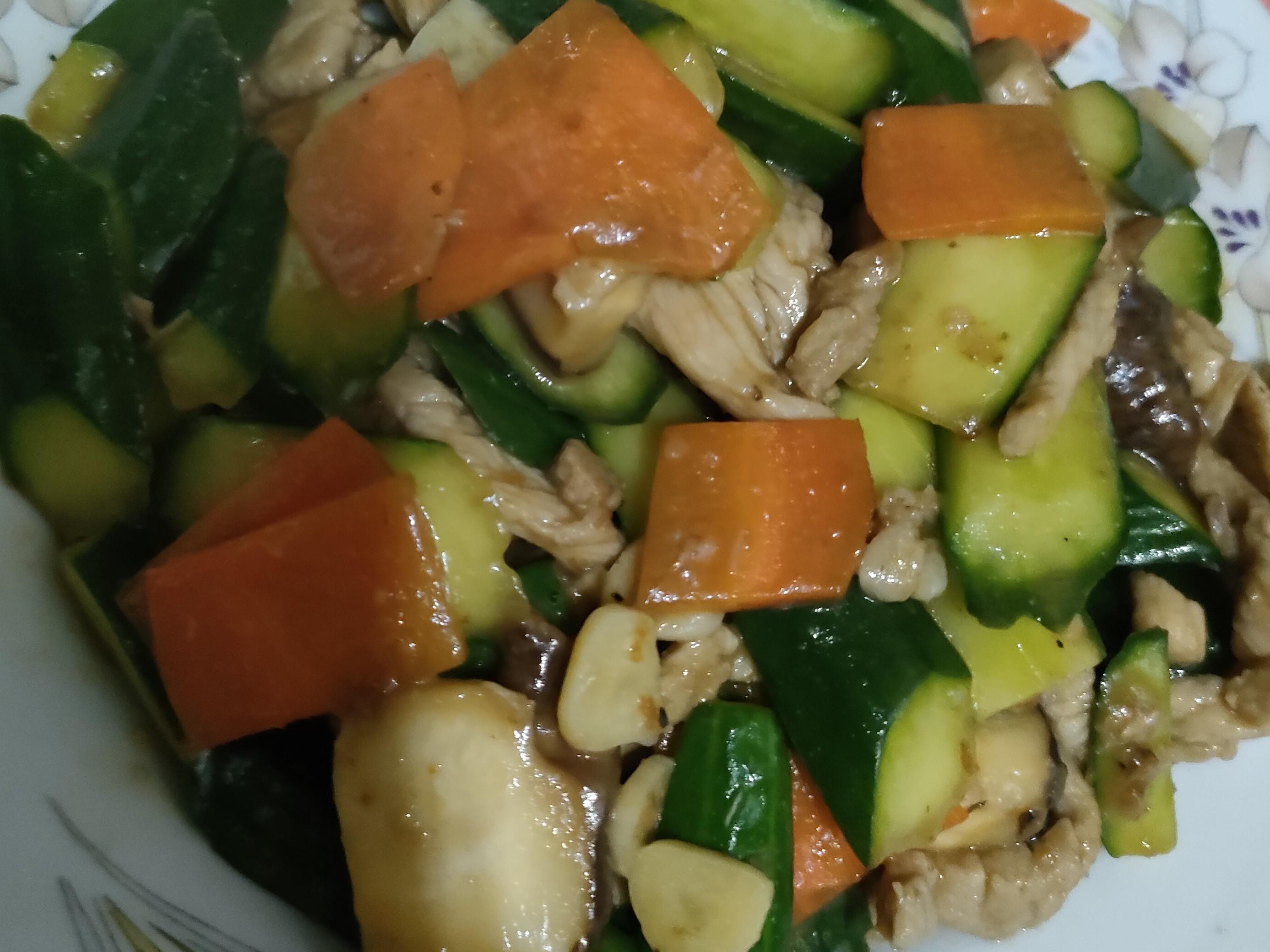 小黃瓜香菇肉絲