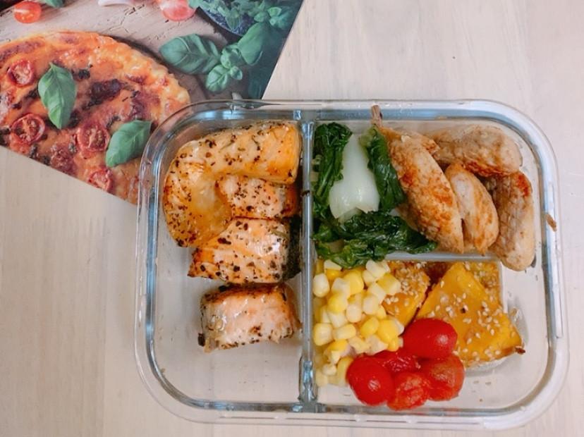 減醣便當|氣炸香料鮭魚+氣炸優格雞胸肉