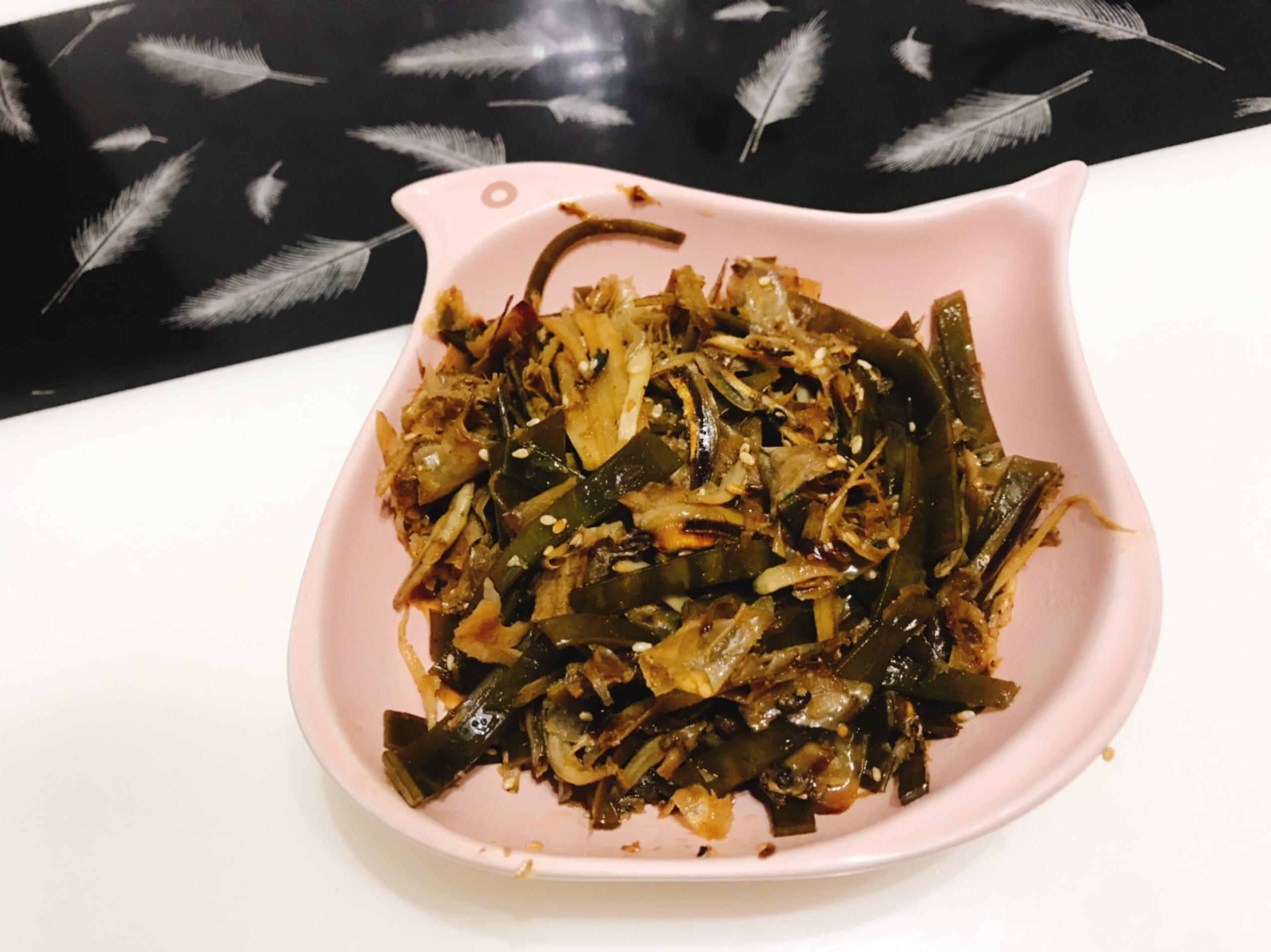 柴魚昆布炒魚乾(高湯剩料再利用)