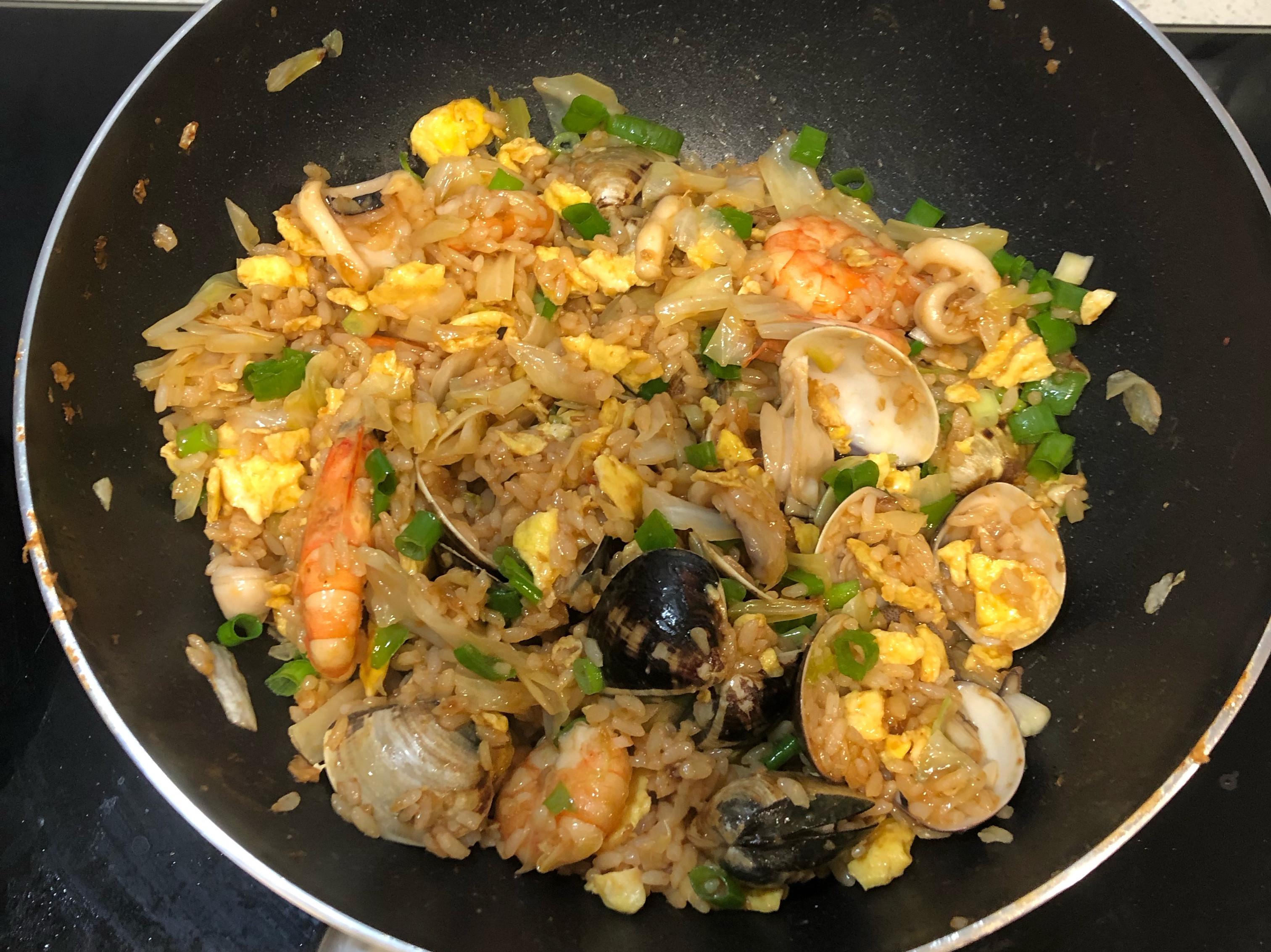 柔師傅料理~古早味油蔥酥海鮮炒飯
