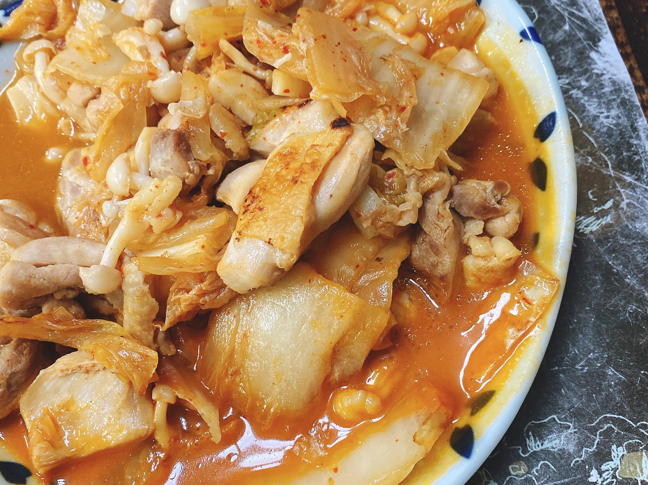 泡菜咕咕雞