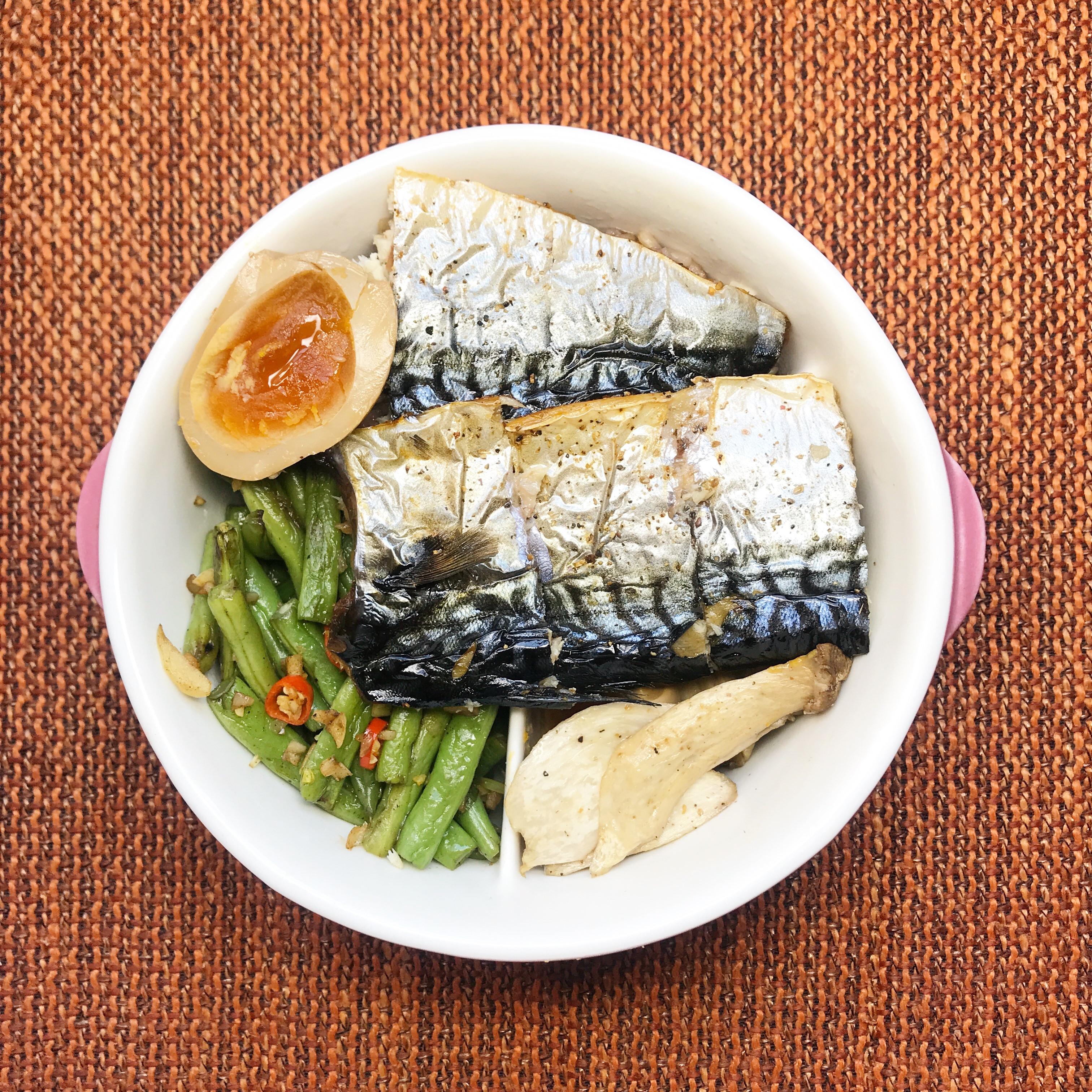 /健人料理/快速懶人料理 - 烤鯖魚便當