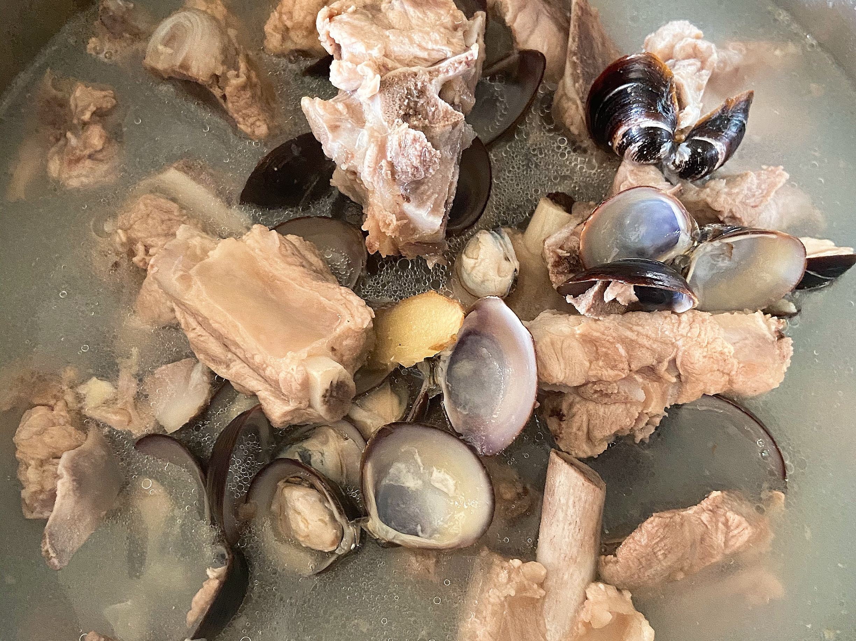 壓力鍋料理-黑蜆排骨湯🍲