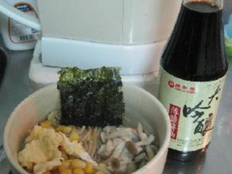 【大吟釀薄鹽醬油】玉米菇菇麵