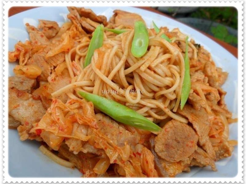 韓式泡菜炒麵