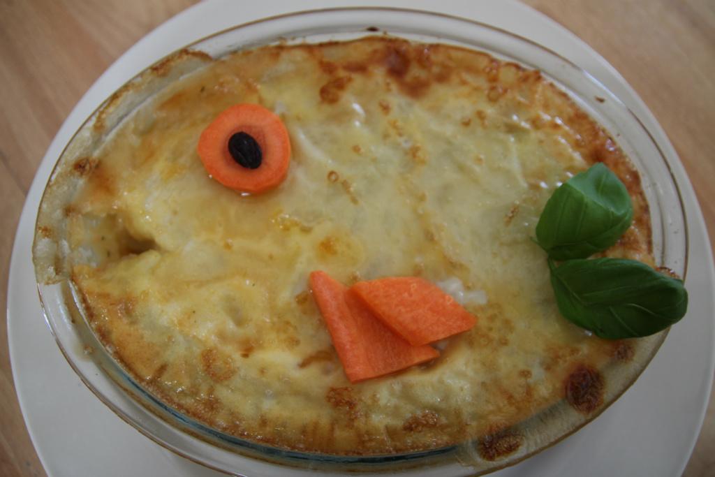 小人兒副食品【9-12個月】--魚兒水中游鮭魚派(fish pie)