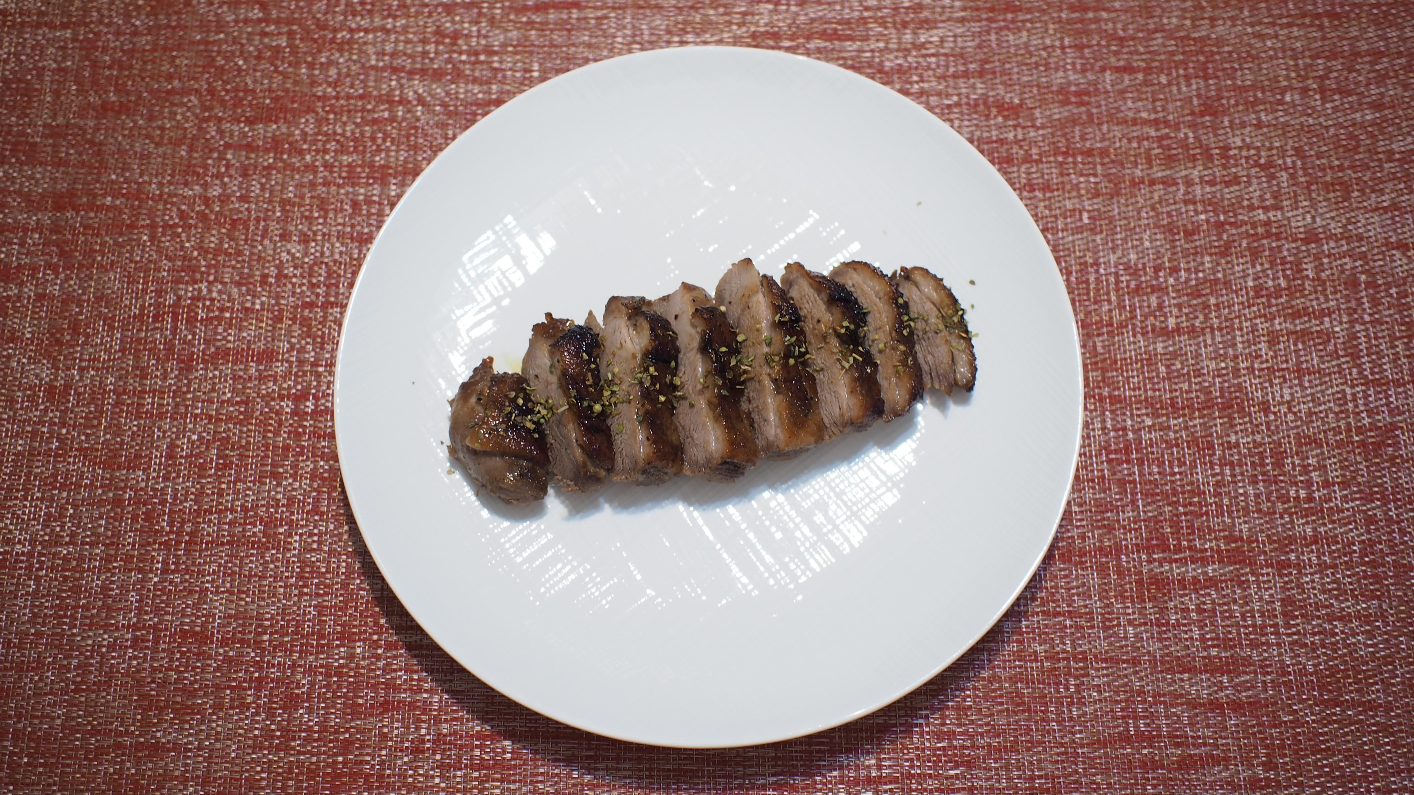 【烤箱料理】美味烤鴨胸 簡單好上手