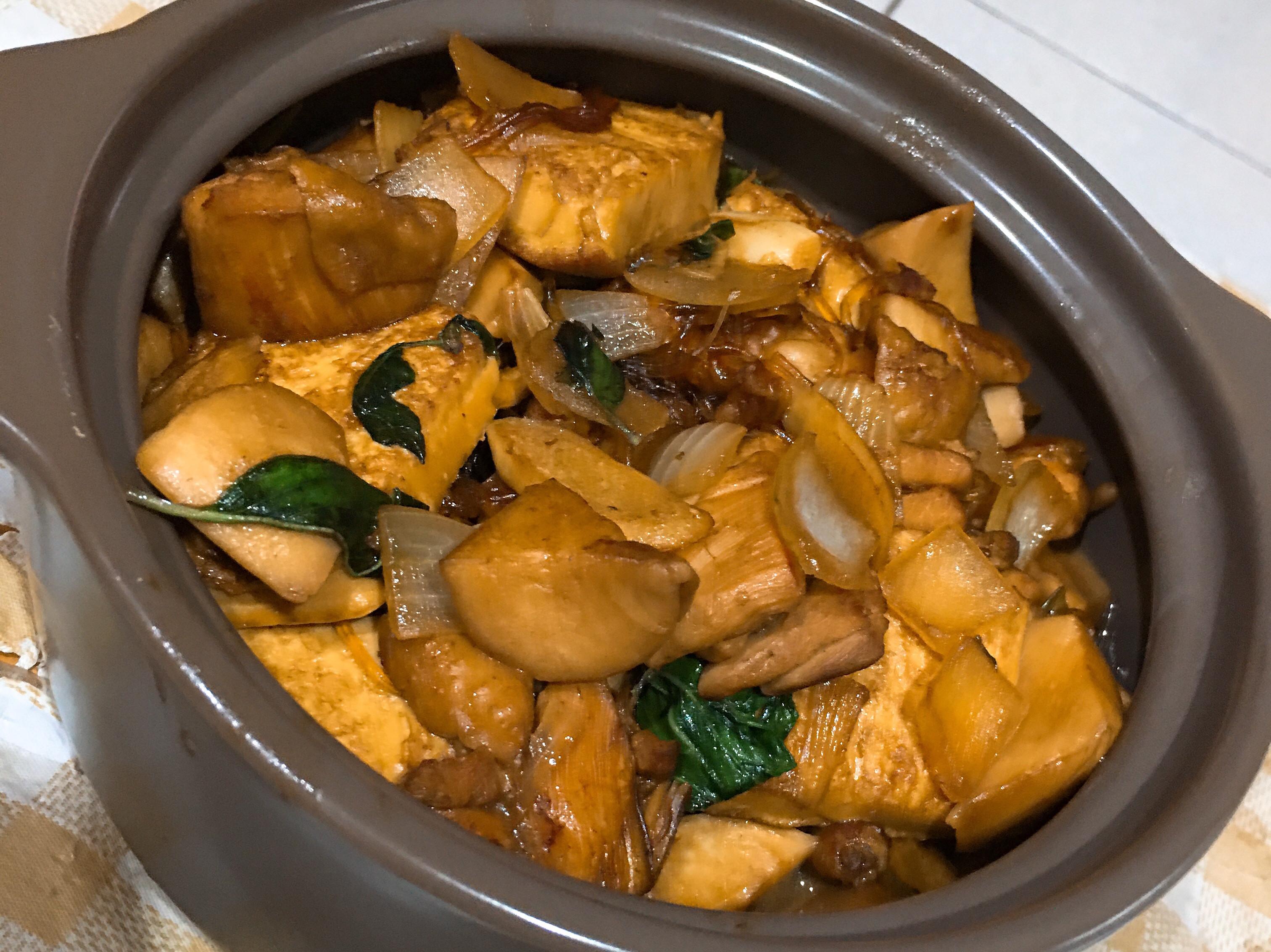 雞肉豆腐粉絲煲