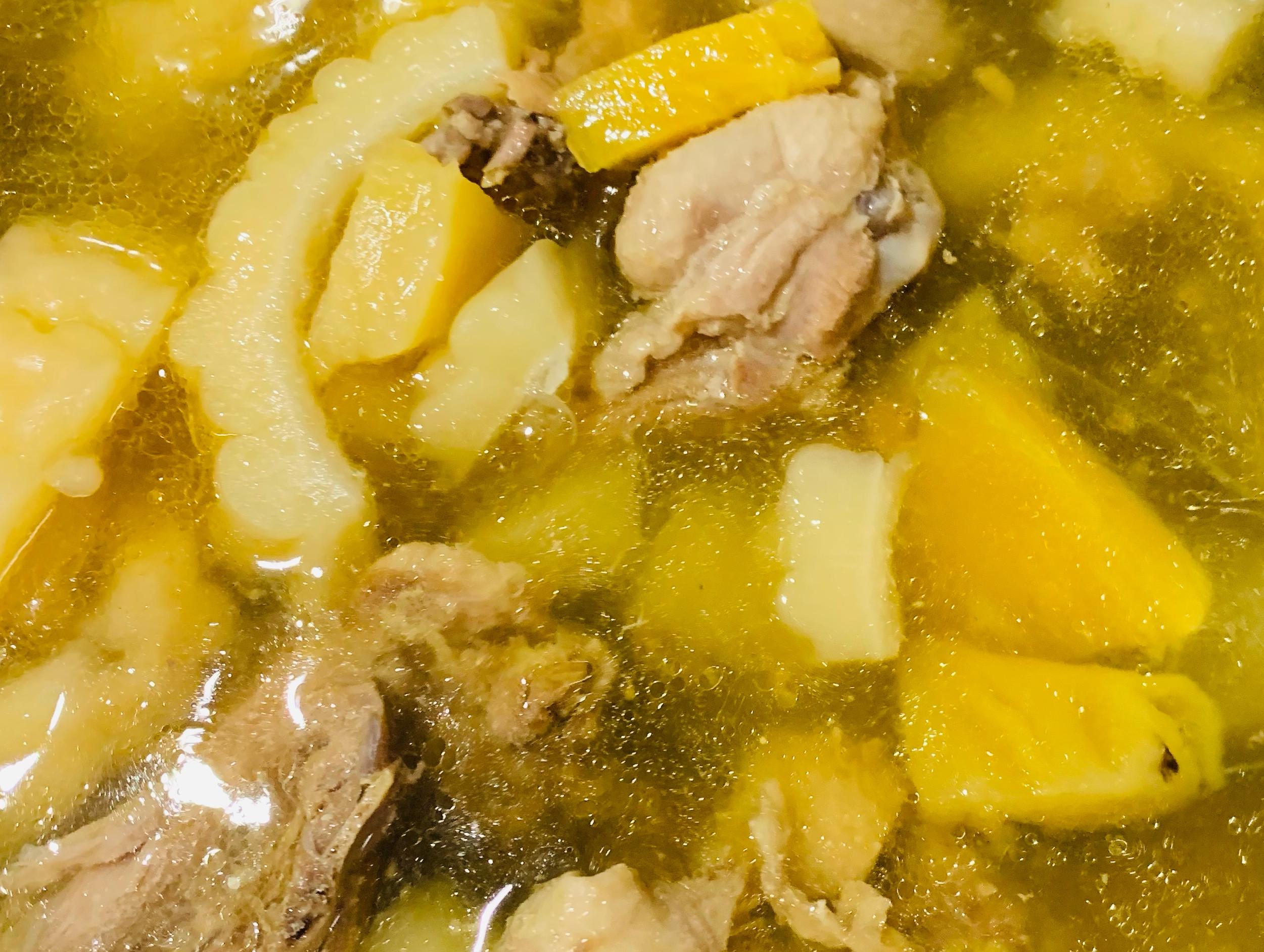 簡易電鍋料理 鳳梨苦瓜雞湯😋