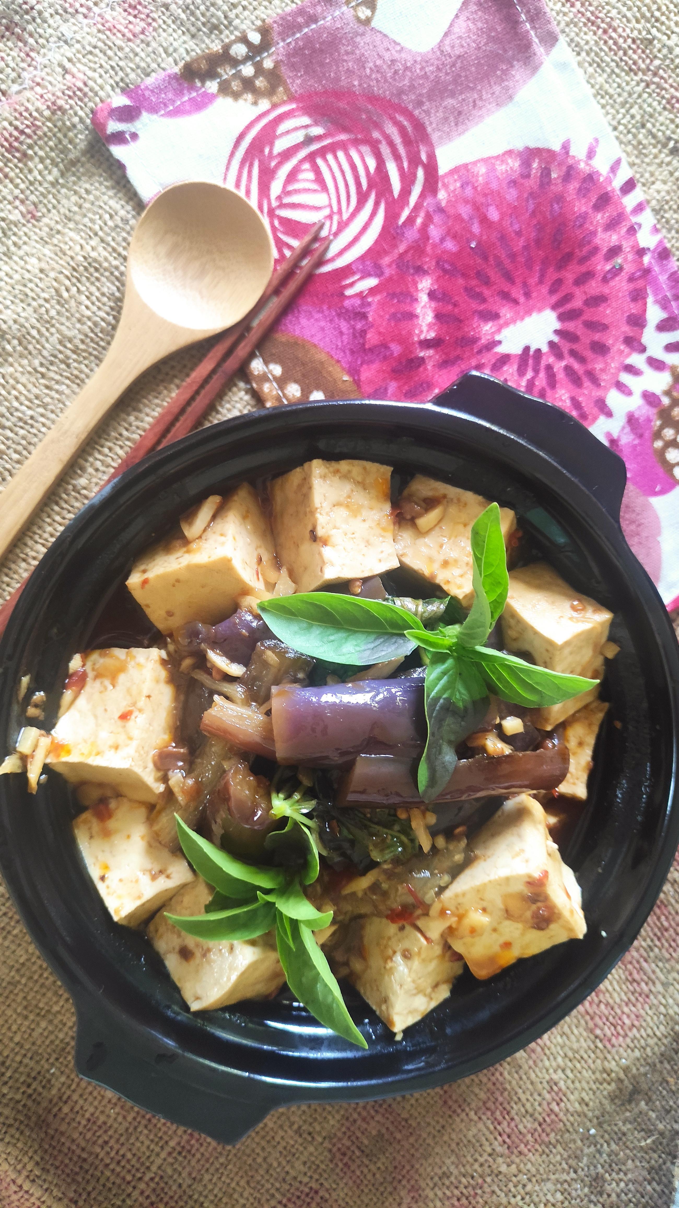 豆瓣醬燒豆腐茄子煲