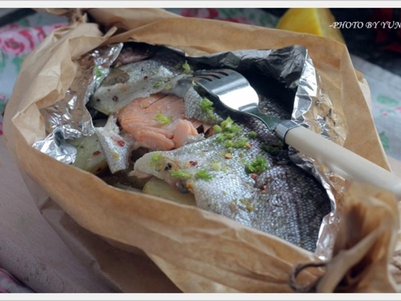 [Yun。在廚房]茴香鱒魚紙包裹