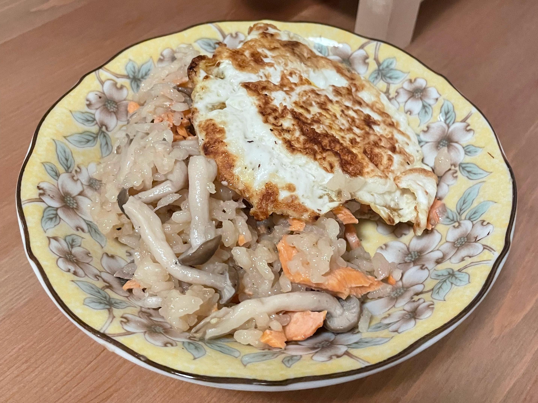 [無麩料理]鮭魚菇菇炊飯