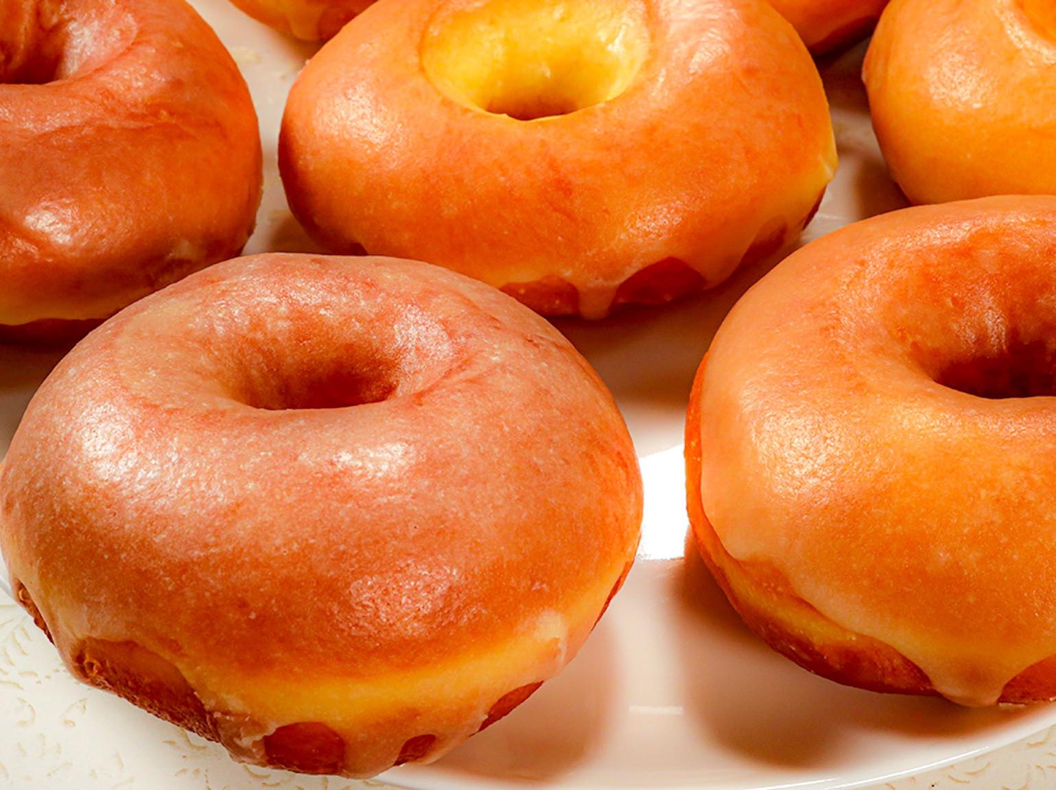 自家製鬆軟糖霜甜甜圈 【附影片】