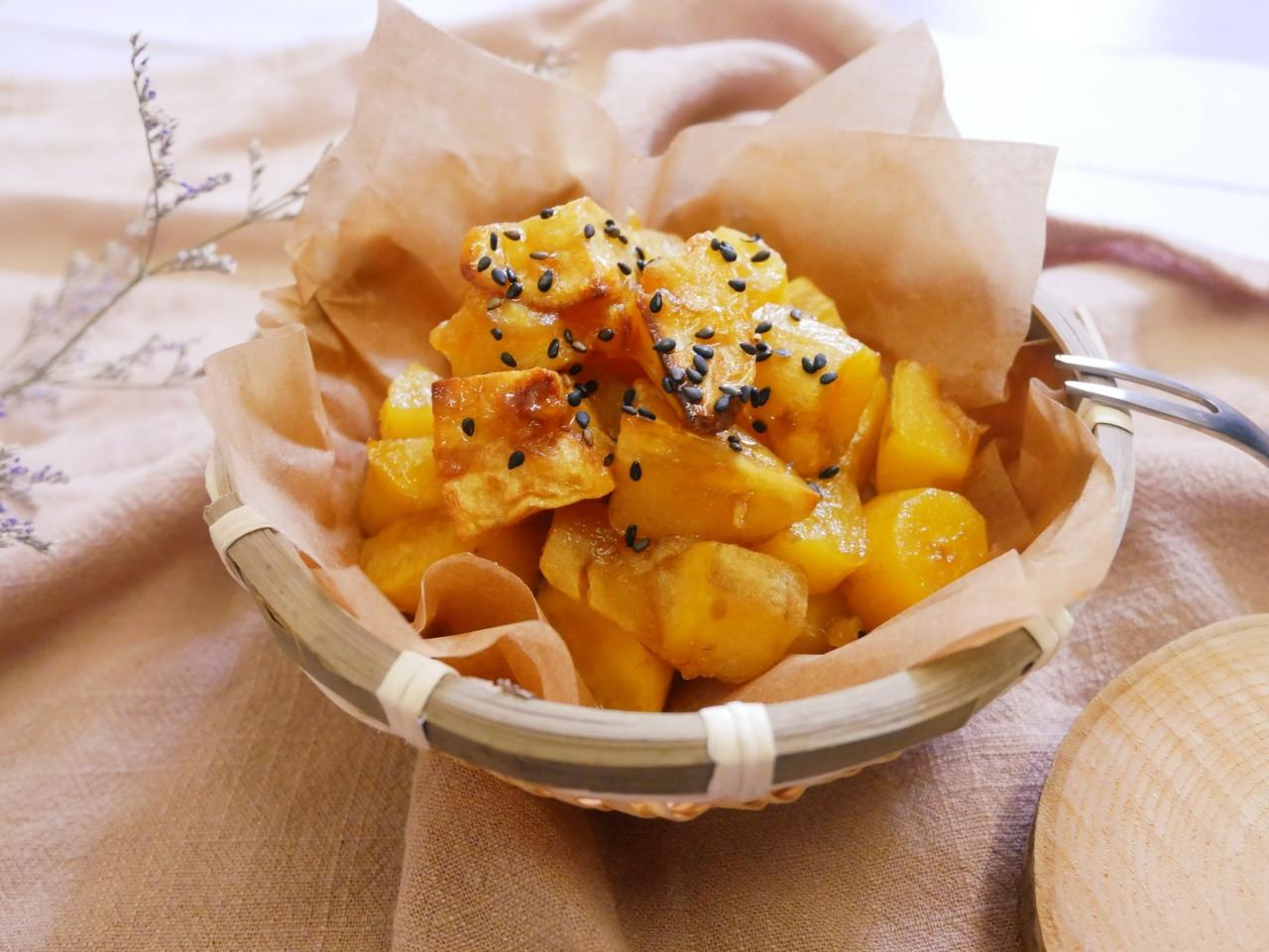 氣炸鍋「拔絲地瓜」簡單又好吃。