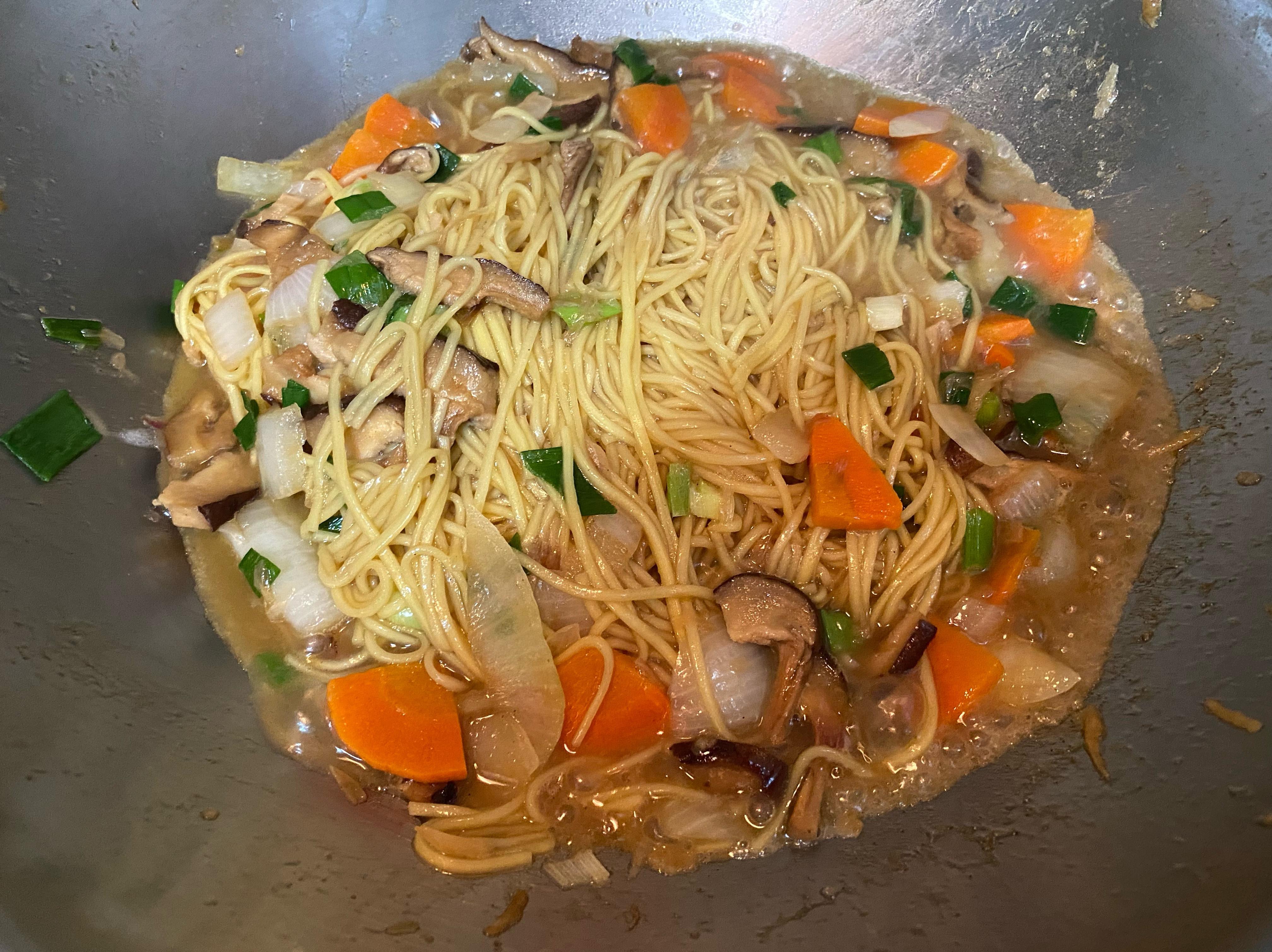 台式蔬食炒麵(五辛素)