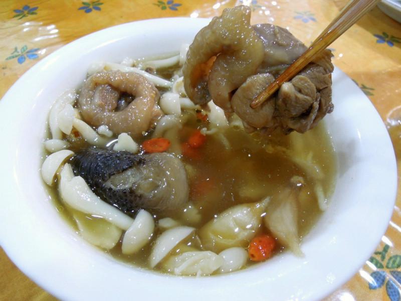 肉骨茶也可以是雞、羊骨茶  馬來西亞  奇香雞骨茶