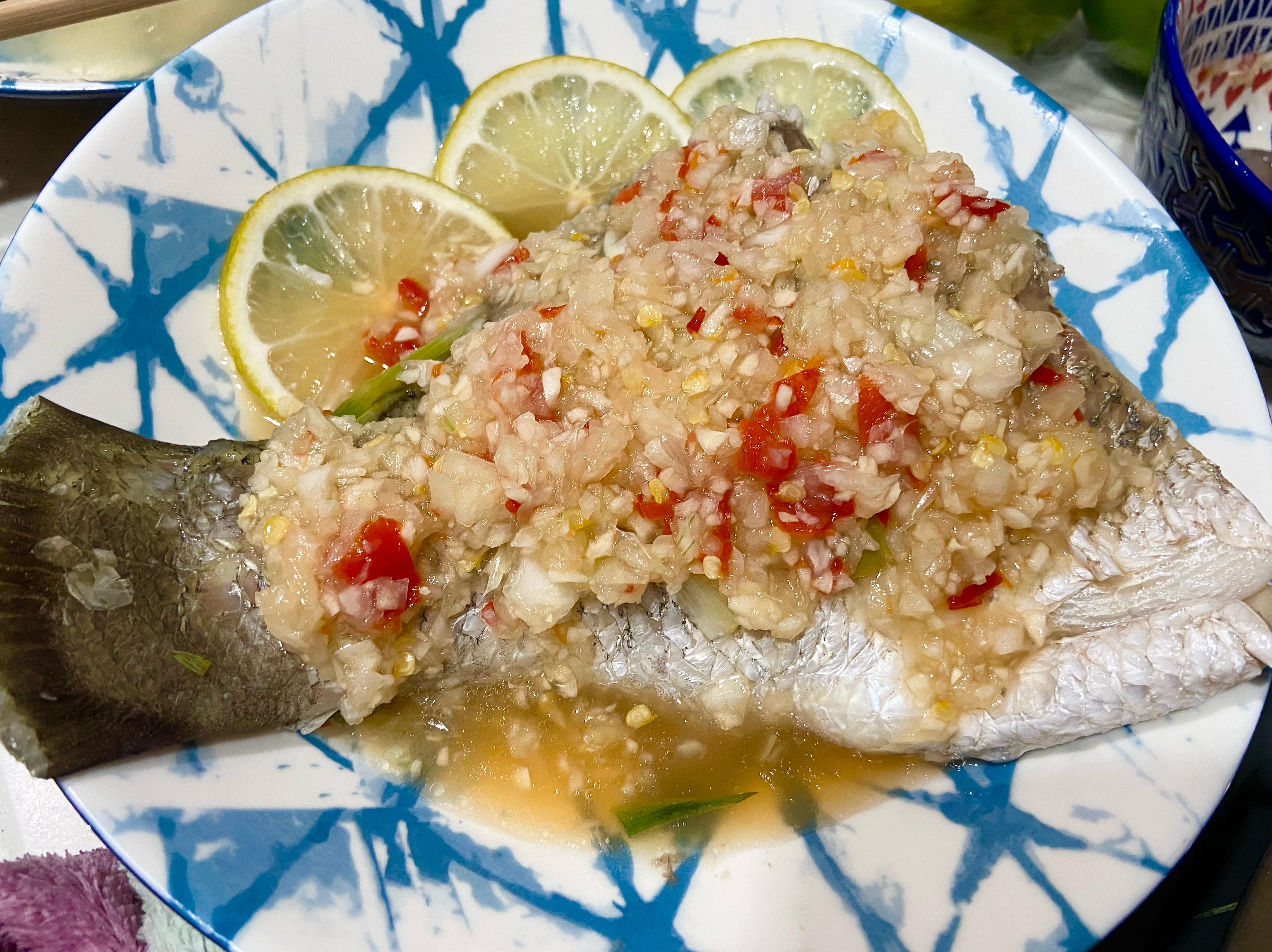 周秉秉の泰式檸檬魚