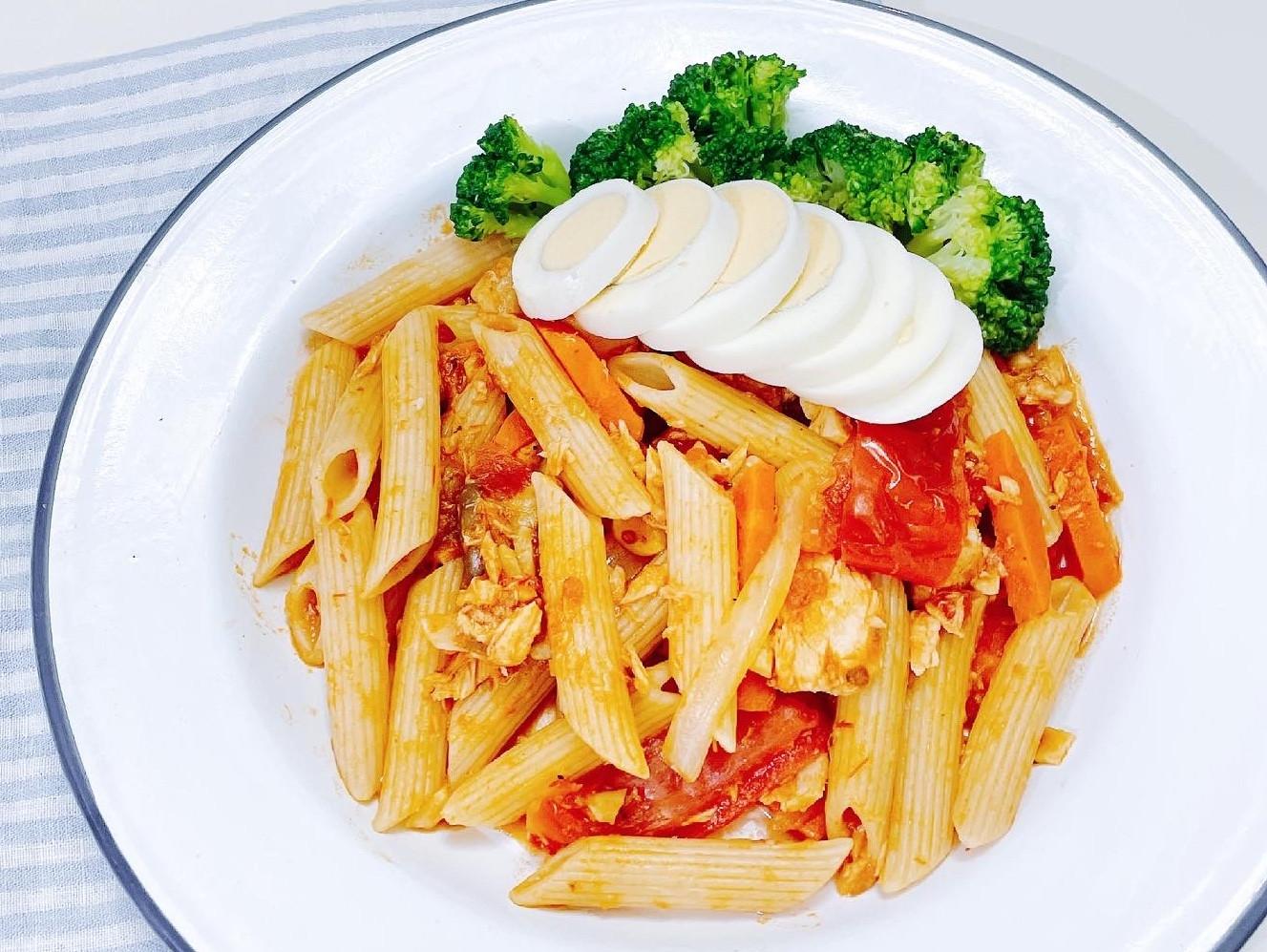 [好市多食材]番茄紅醬鮪魚義大利管麵