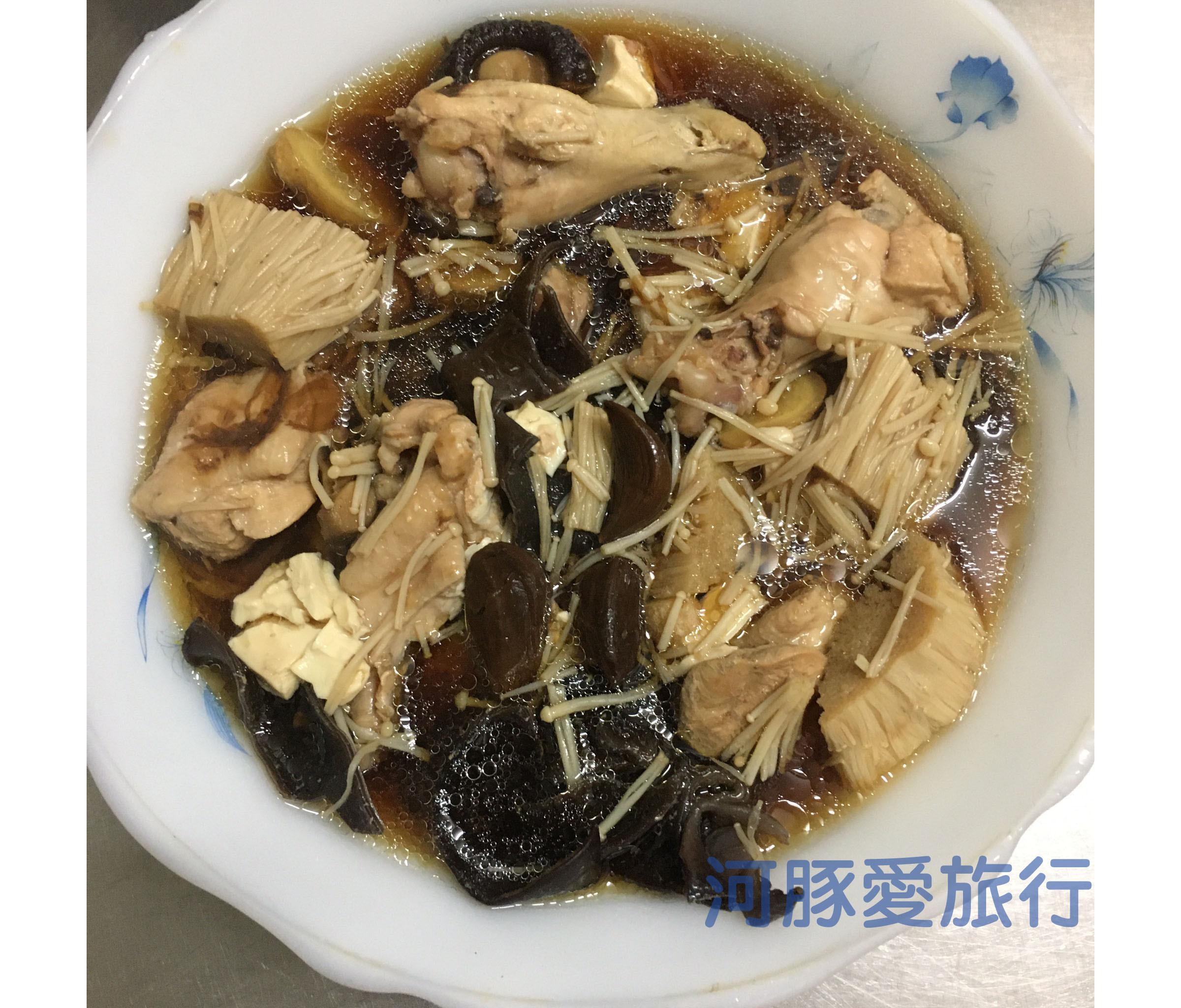 電鍋煮黑蒜頭雞湯