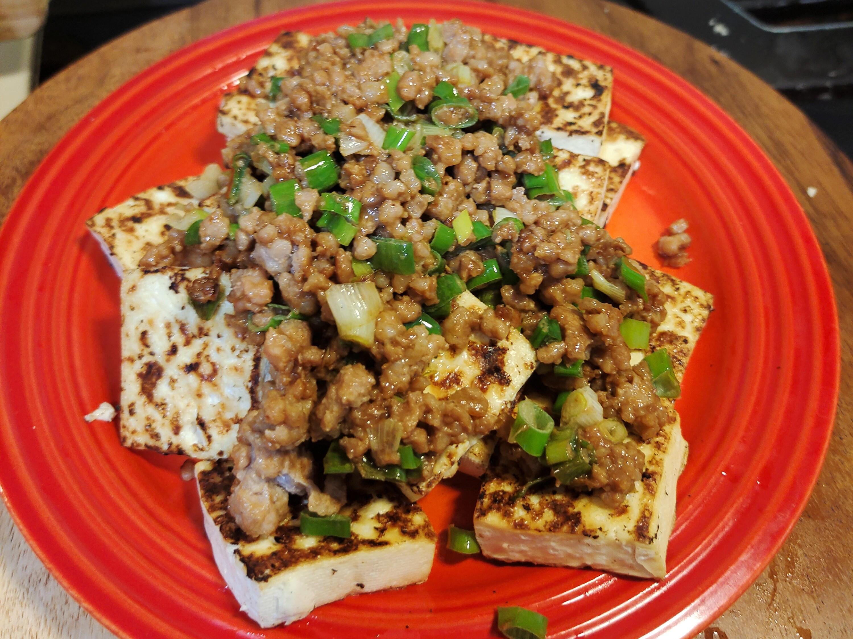 防疫宅料理~~青蔥肉味噌佐乾煎板豆腐