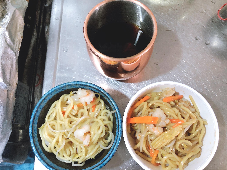 蝦仁什錦炒麵