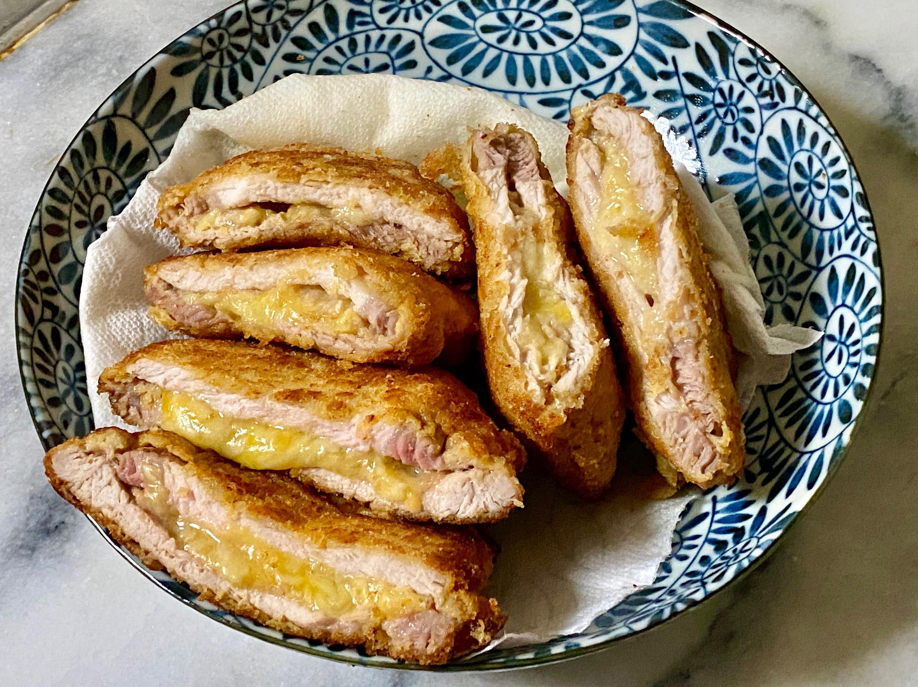 起司豬排(乳酪里肌肉排、自製麵包粉)