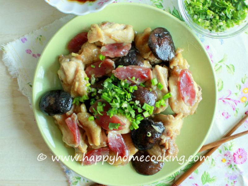 臘腸冬菇蒸雞 ~ 雞肉鮮嫩、冬菇爽滑、臘腸香味四溢