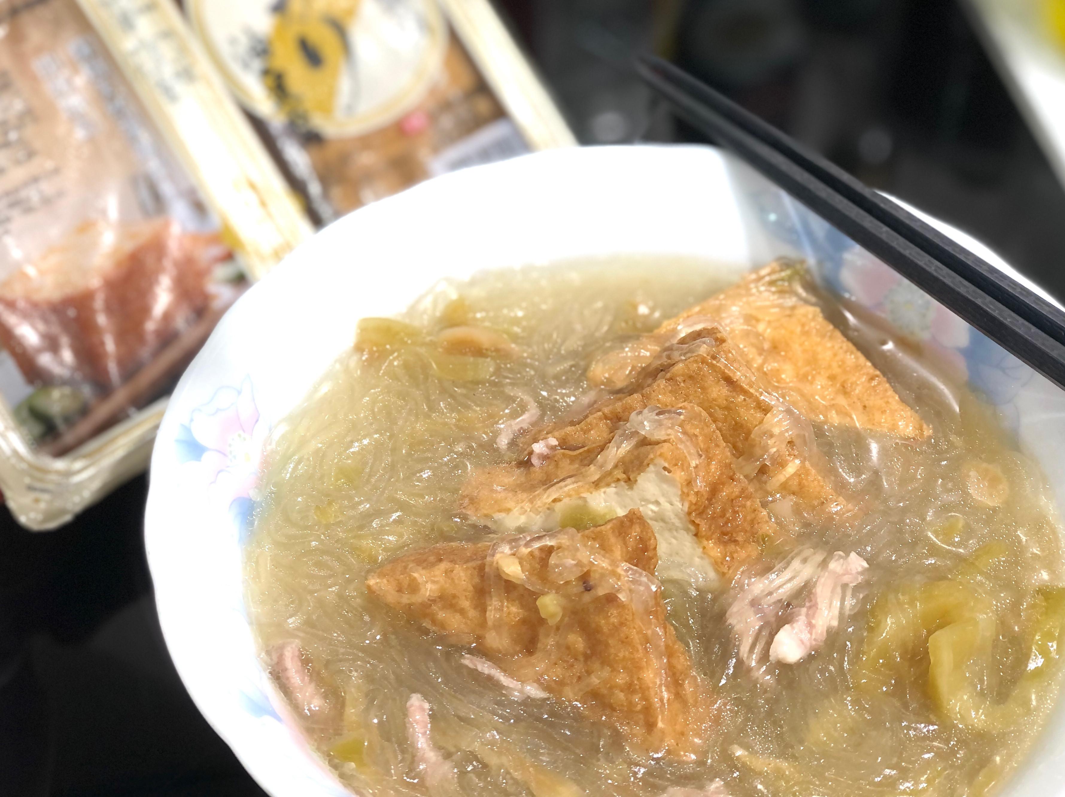 酸菜肉絲油豆腐細粉湯/中華鹽滷油豆腐