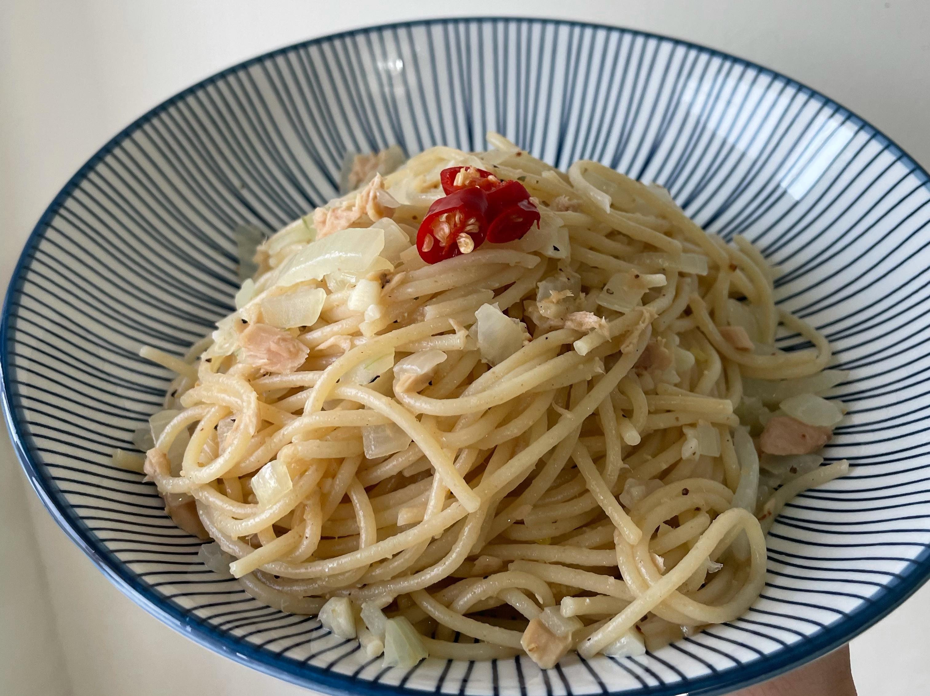 洋蔥鮪魚清炒義大利麵