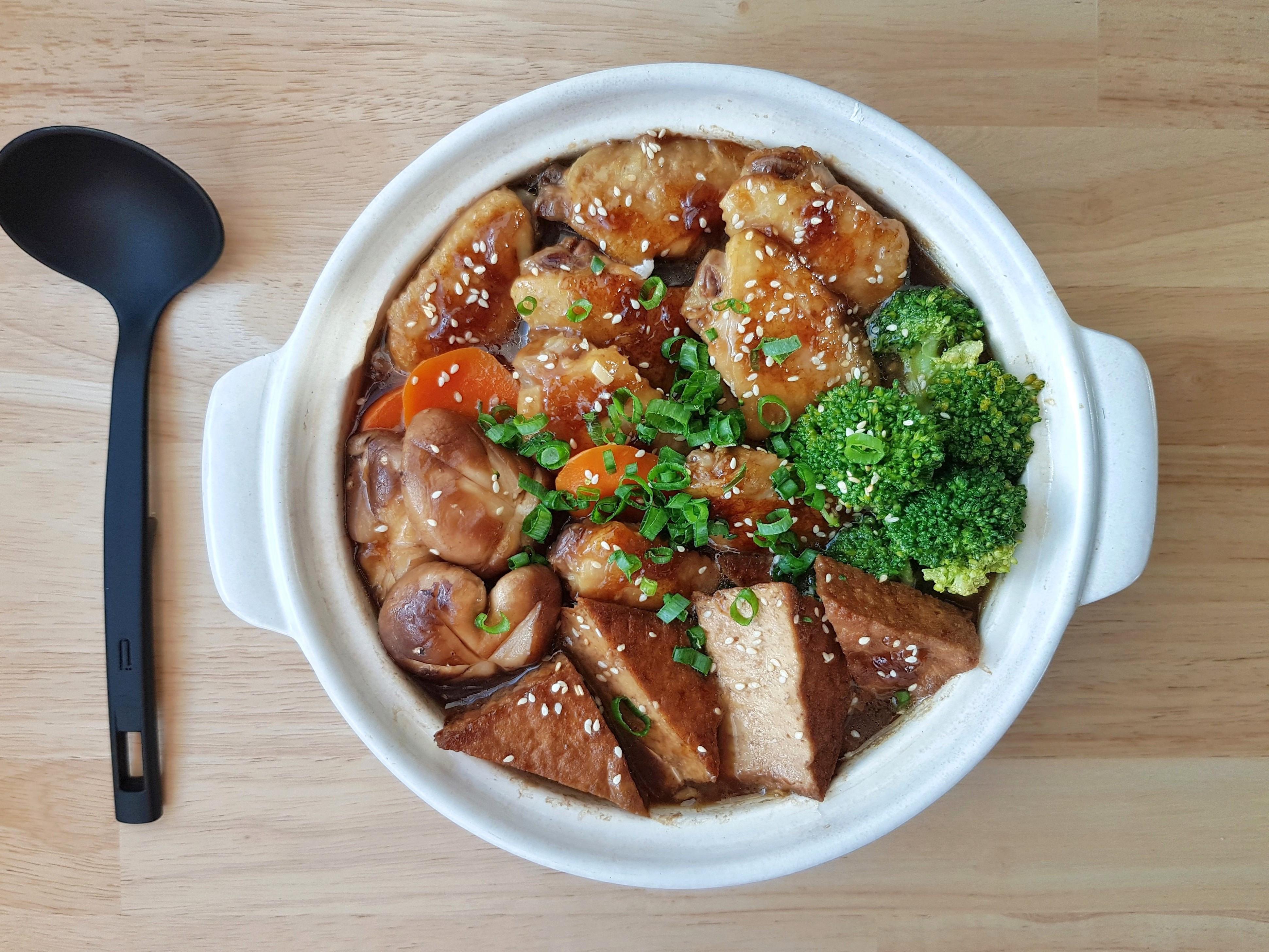 醬燒白菜雞翅豆腐煲 (中華鹽滷油豆腐)