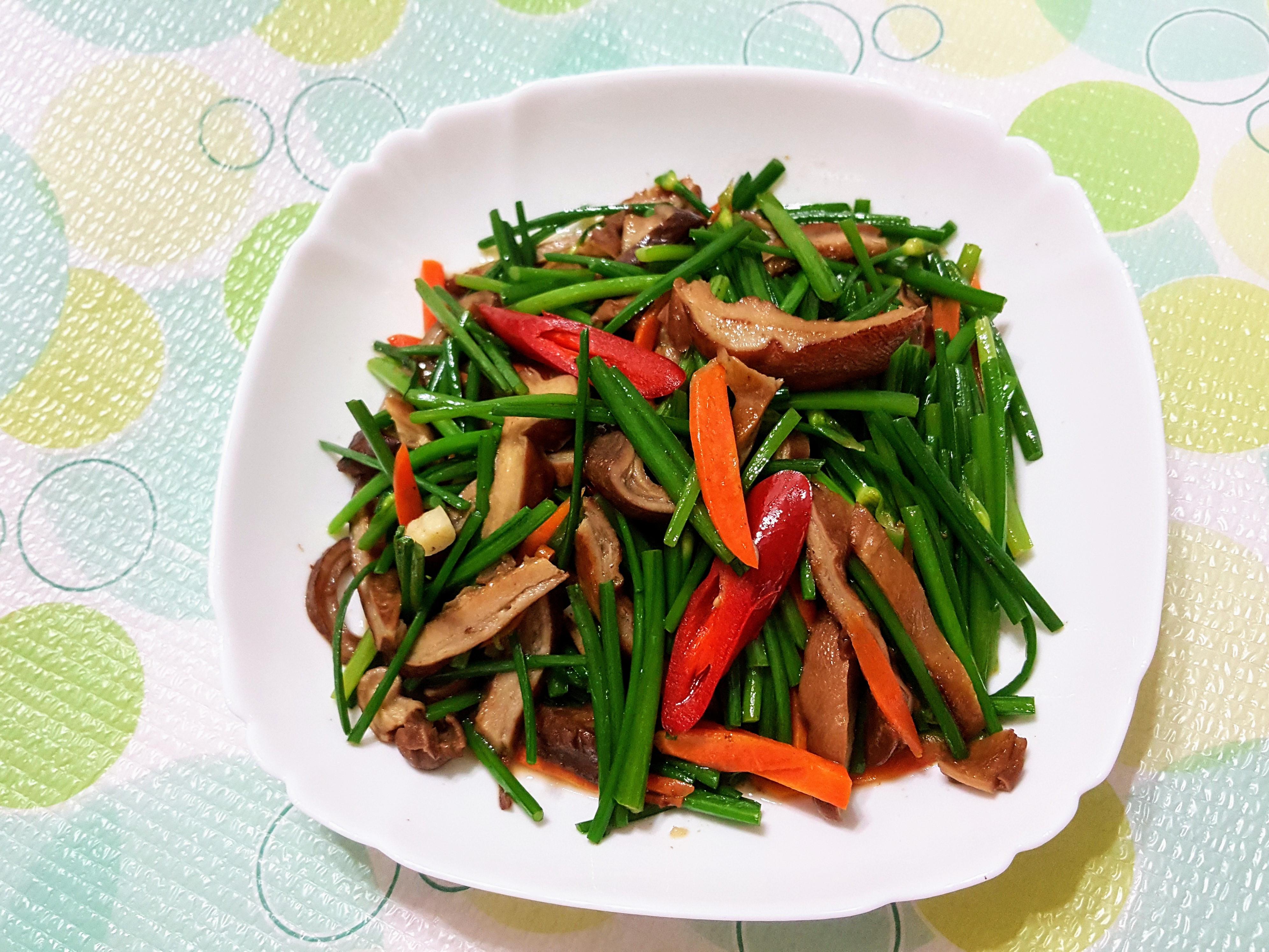 韭菜花炒豬肚