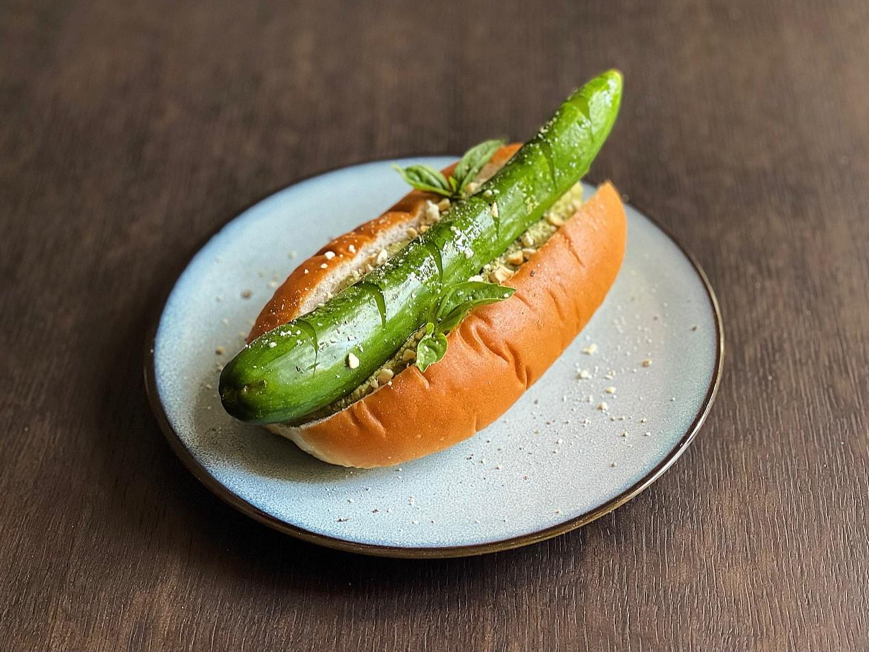 小黃瓜熱狗堡