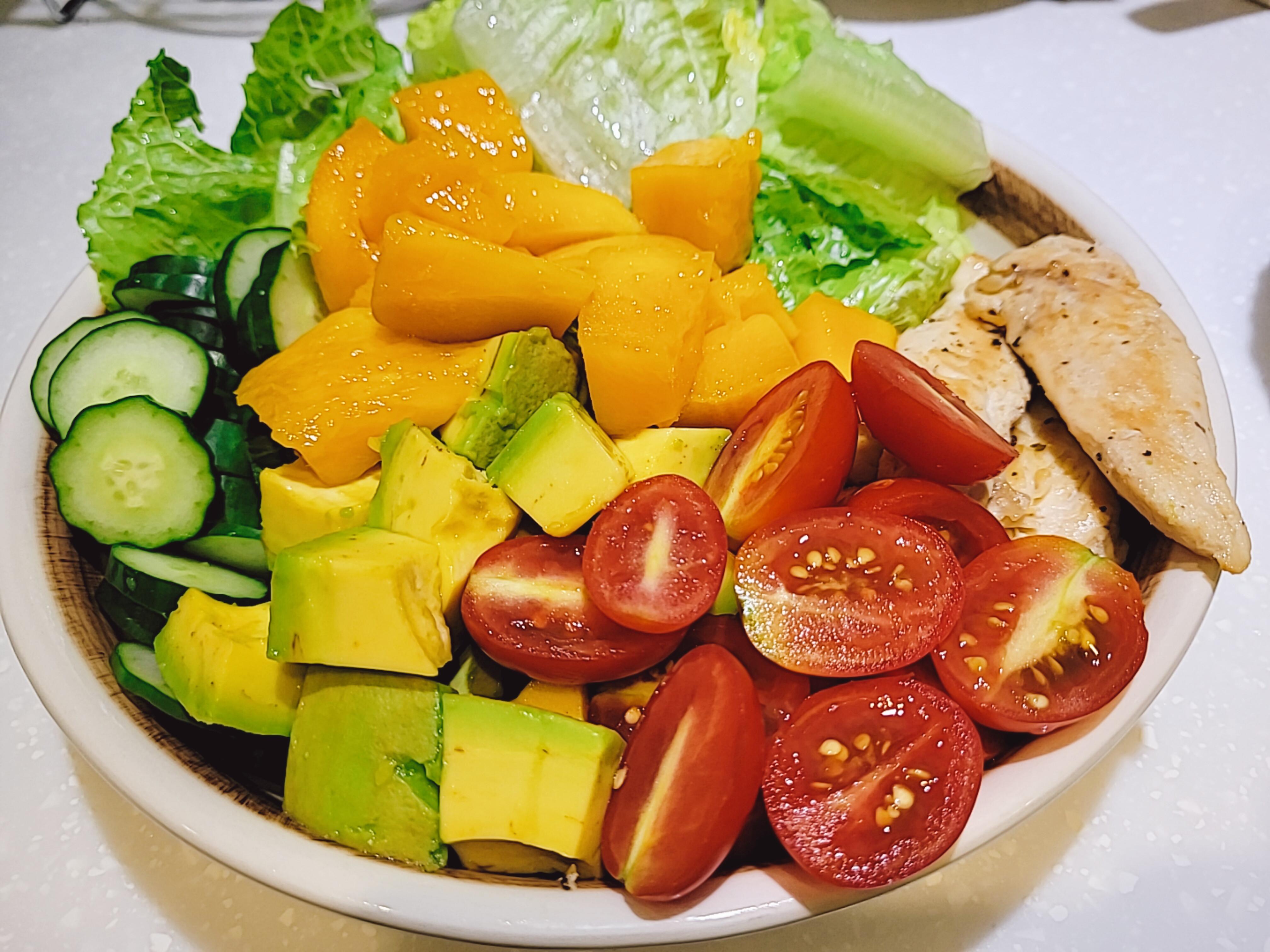 芒果酪梨雞肉沙拉